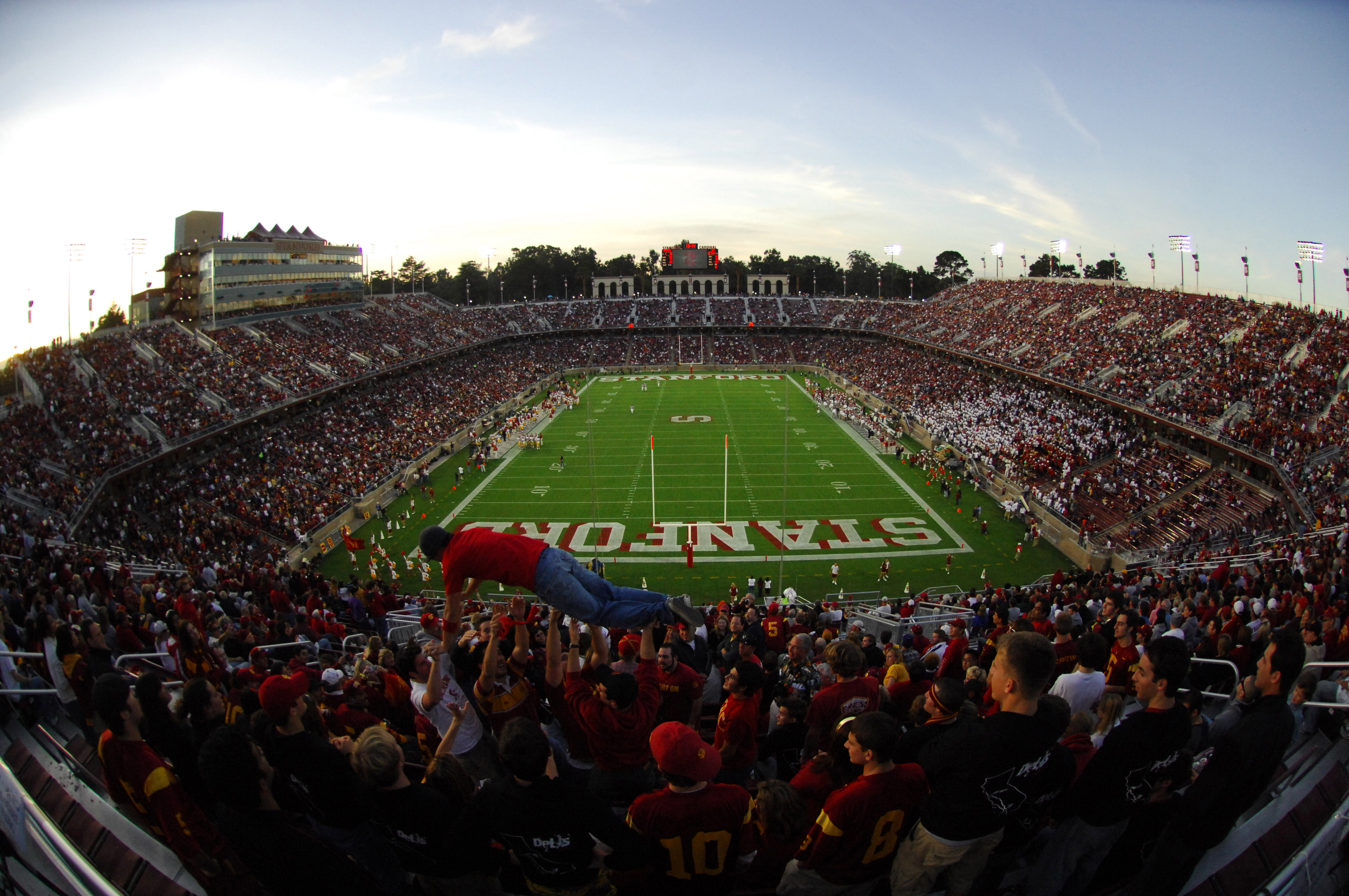 Home of the Stanford University Cardinals, the field opened in 1921. Besides hosting Super Bowl XIX, the field saw some World Cup soccer action in 1994.