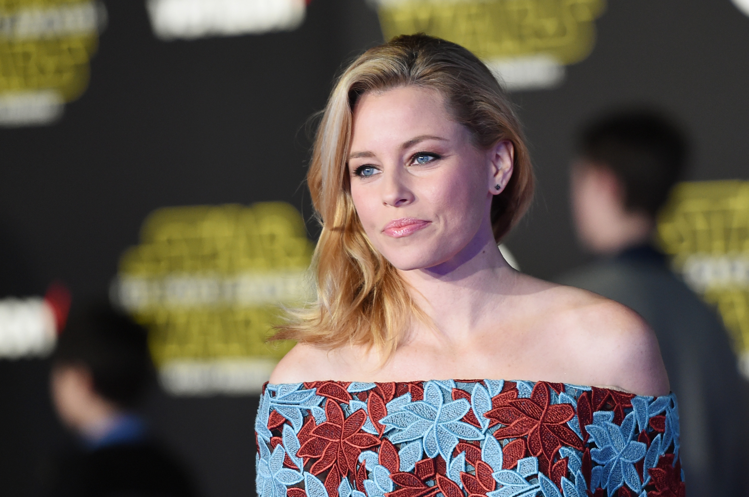 Elizabeth Banks attends Premiere of Walt Disney Pictures and Lucasfilm's  Star Wars: The Force Awakens  on December 14, 2015 in Hollywood, California.