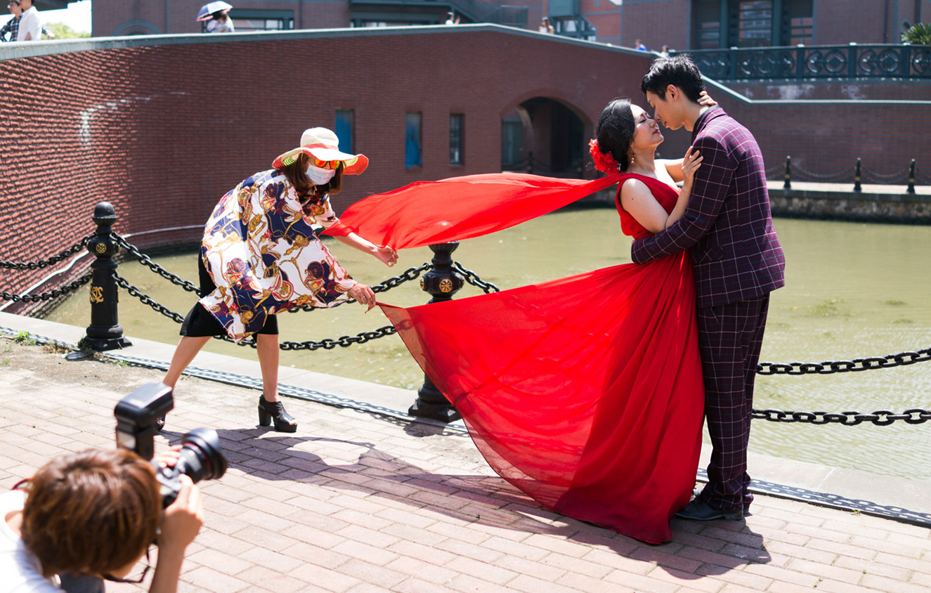 Thamestown, a residential town outside of Shanghai that is modeled after the U.K., is a popular destination for wedding photo shoots. They are not getting married just yet, though— the images will be displayed at the actual wedding.