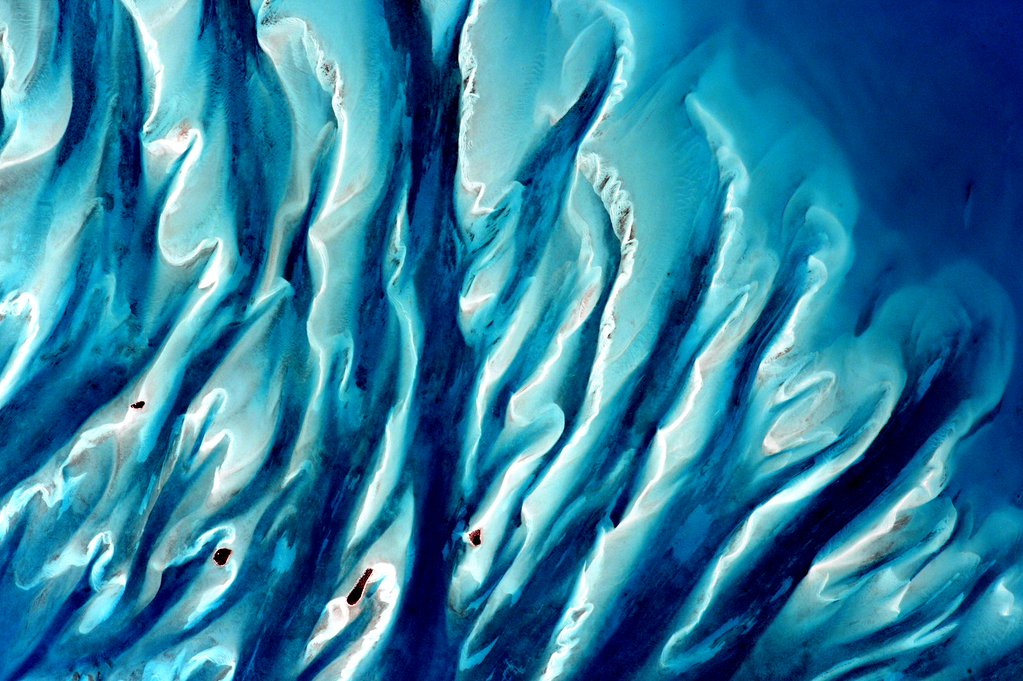 """#Bahamas #EarthArt Watercolors! #YearInSpace""<a href=""https://twitter.com/StationCDRKelly/status/689571829845917696"" target=""_blank"">—via Twitter</a> on Jan. 19, 2016."