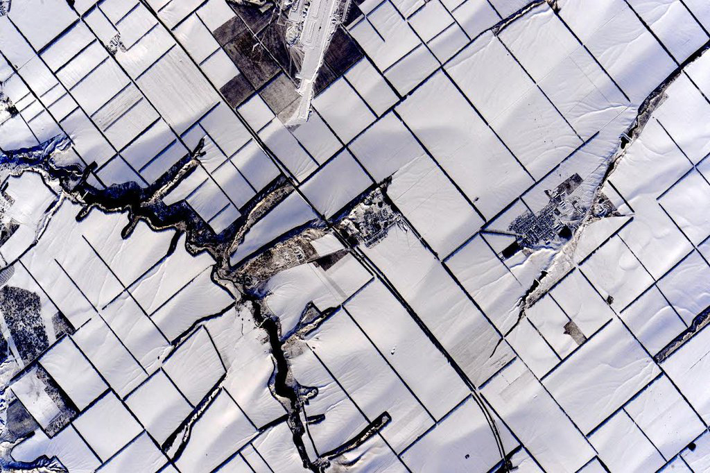 """#ColorsofEarth Snow white. #YearInSpace""<a href=""https://twitter.com/StationCDRKelly/status/699734154079051777/photo/1"" target=""_blank"">—via Twitter</a> on Feb. 16, 2016."