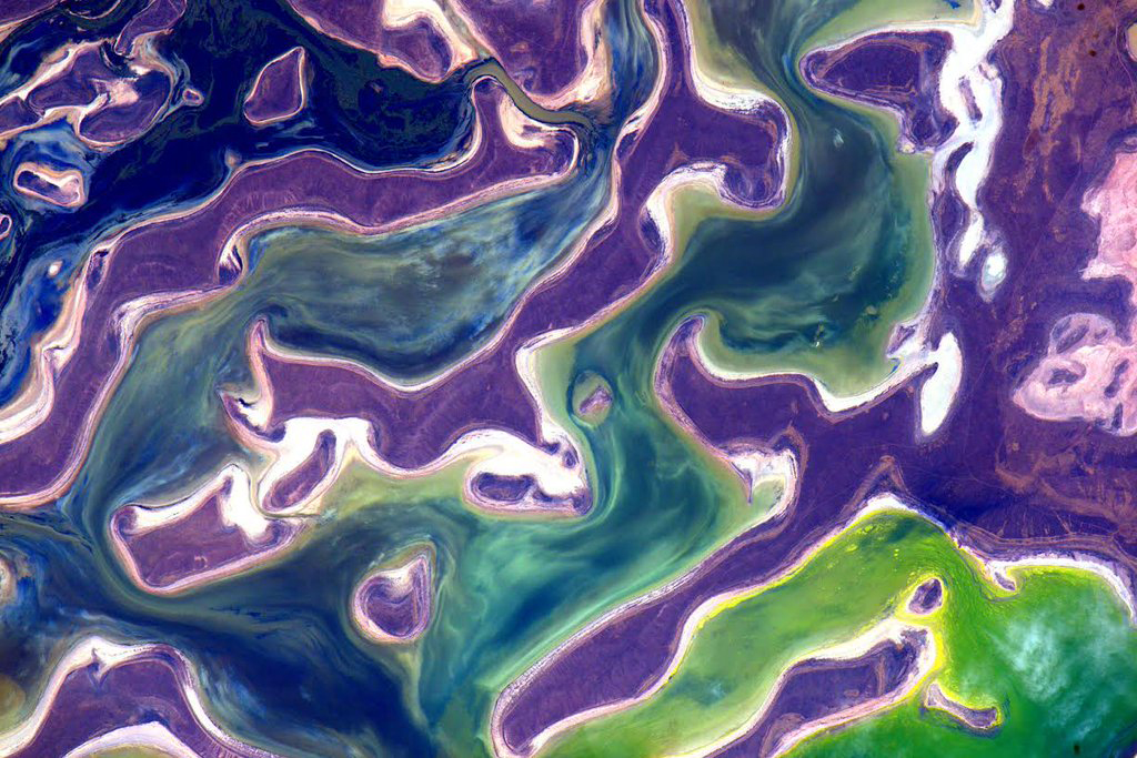 """More otherworldly #ColorsOfEarth http://tmblr.co/ZmuJBi21_7twJ  #YearInSpace""<a href=""https://twitter.com/StationCDRKelly/status/700401756878942208/photo/1"" target=""_blank"">—via Twitter</a> on Feb. 18, 2016."