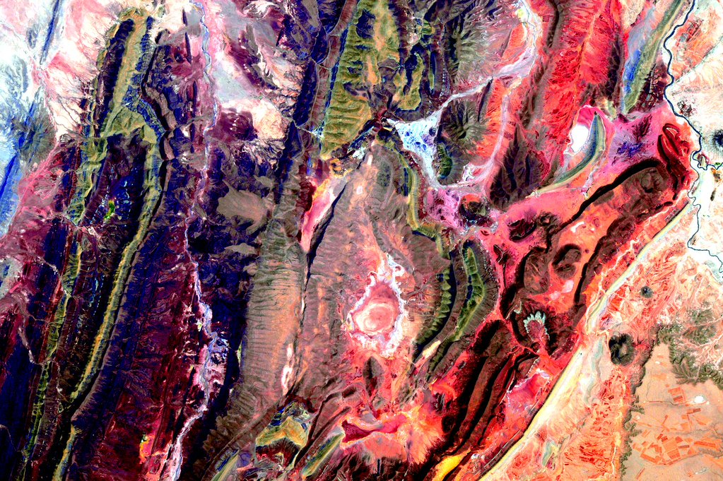 """#EarthArt #SouthAmerica #YearInSpace""<a href=""https://twitter.com/StationCDRKelly/status/668577294378663936"" target=""_blank"">—via Twitter</a> on Nov. 22, 2015."