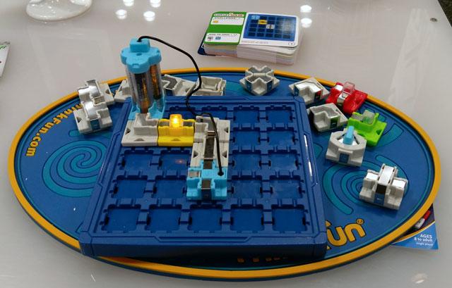 think-fun-circuit-maze-techlicious