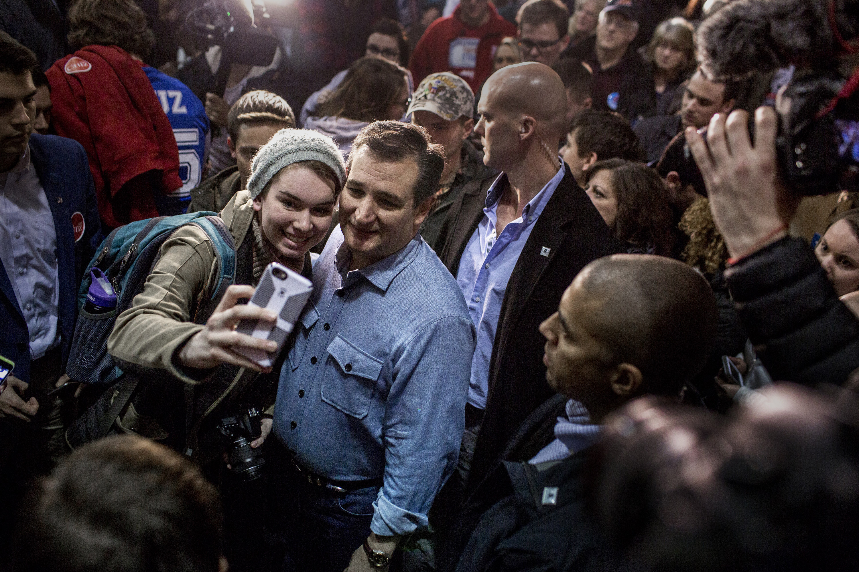 Ted Cruz greets supporters at his rally in Des Moines, Iowa on Jan. 31, 2016.