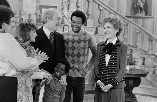 DIFF'RENT STROKES--  The Reporter  Episode 22 -- Aired 3/19/83 -- Pictured: (l-r) Mary Jo Catlett as Pearl Gallagher, Dana Plato as Kimberly Drummond, Conrad Bain as Philip Drummond, Todd Bridges as Willis Jackson, Nancy Reagan as herself (front center) Gary Coleman as Arnold Jackson. NBC—NBC via Getty Images
