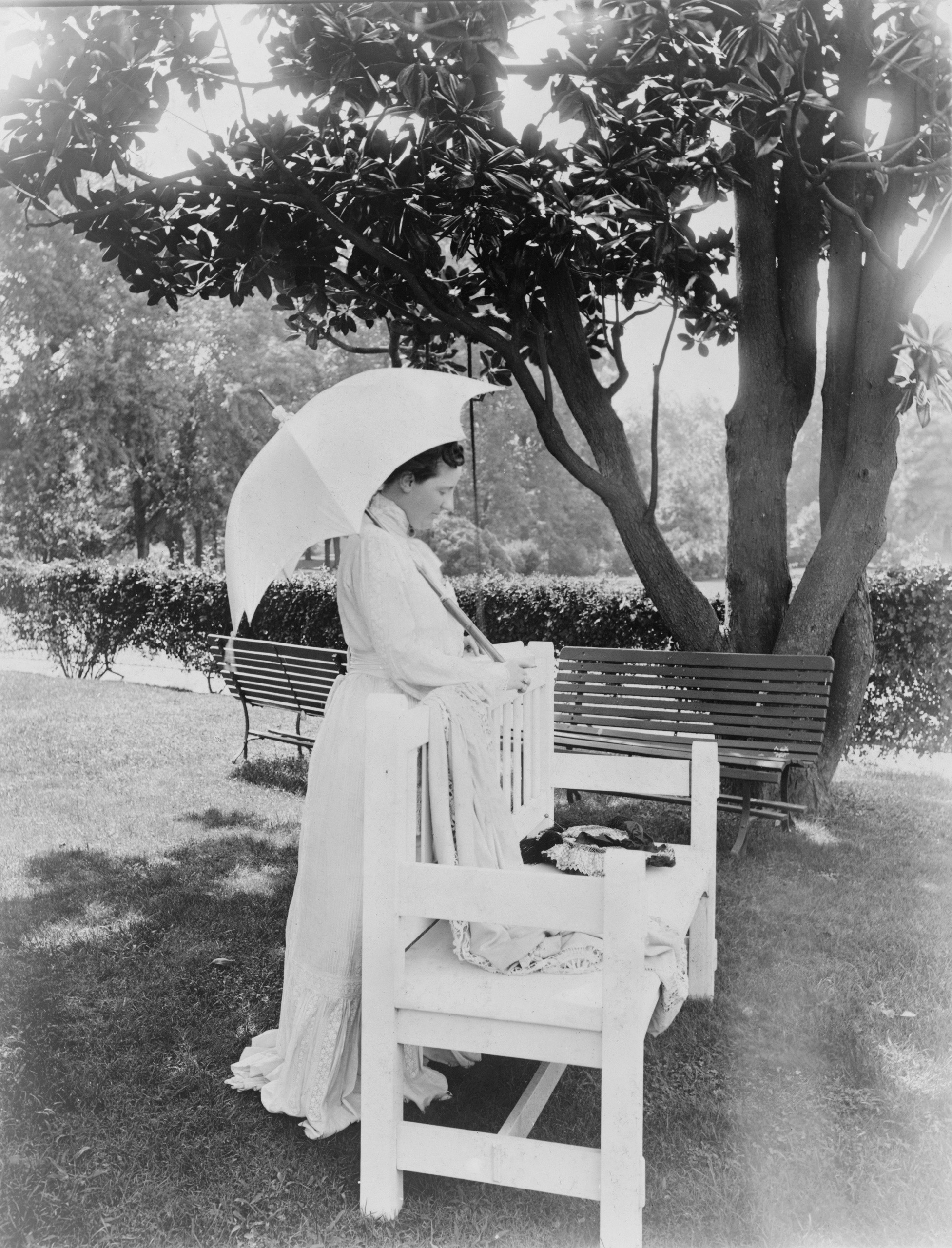 Edith Roosevelt in the White House garden.