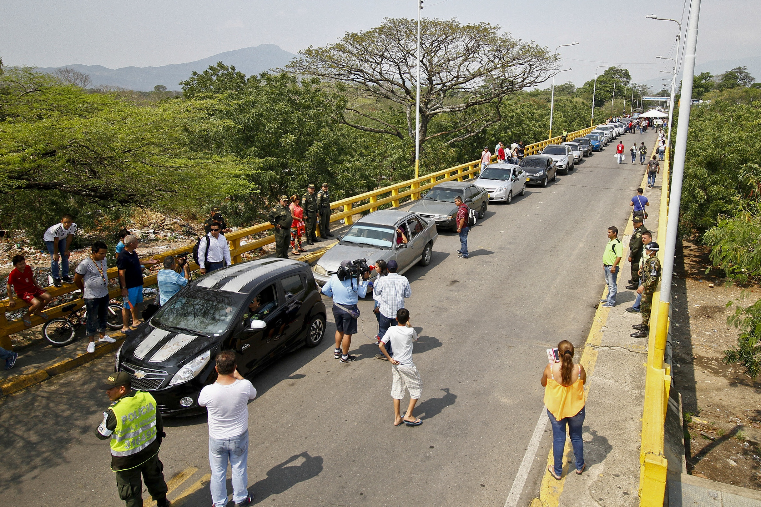 Drivers queue while waiting to cross the Colombia-Venezuela border, in Cucuta, Colombia, on Feb. 27, 2016.