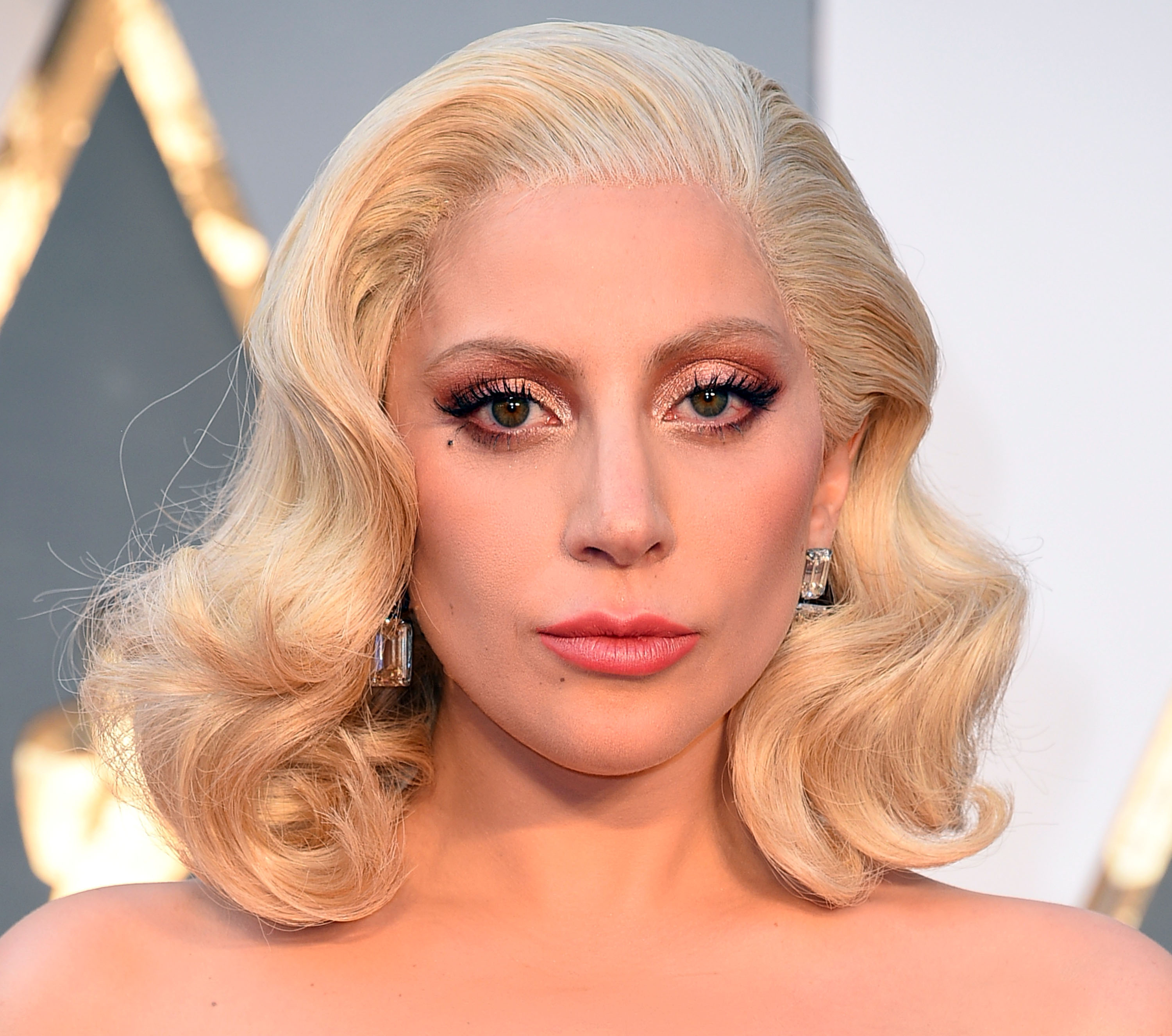 Lady Gaga arrives at the 88th Annual Academy Awards at Hollywood & Highland Center on February 28, 2016 in Hollywood, California.