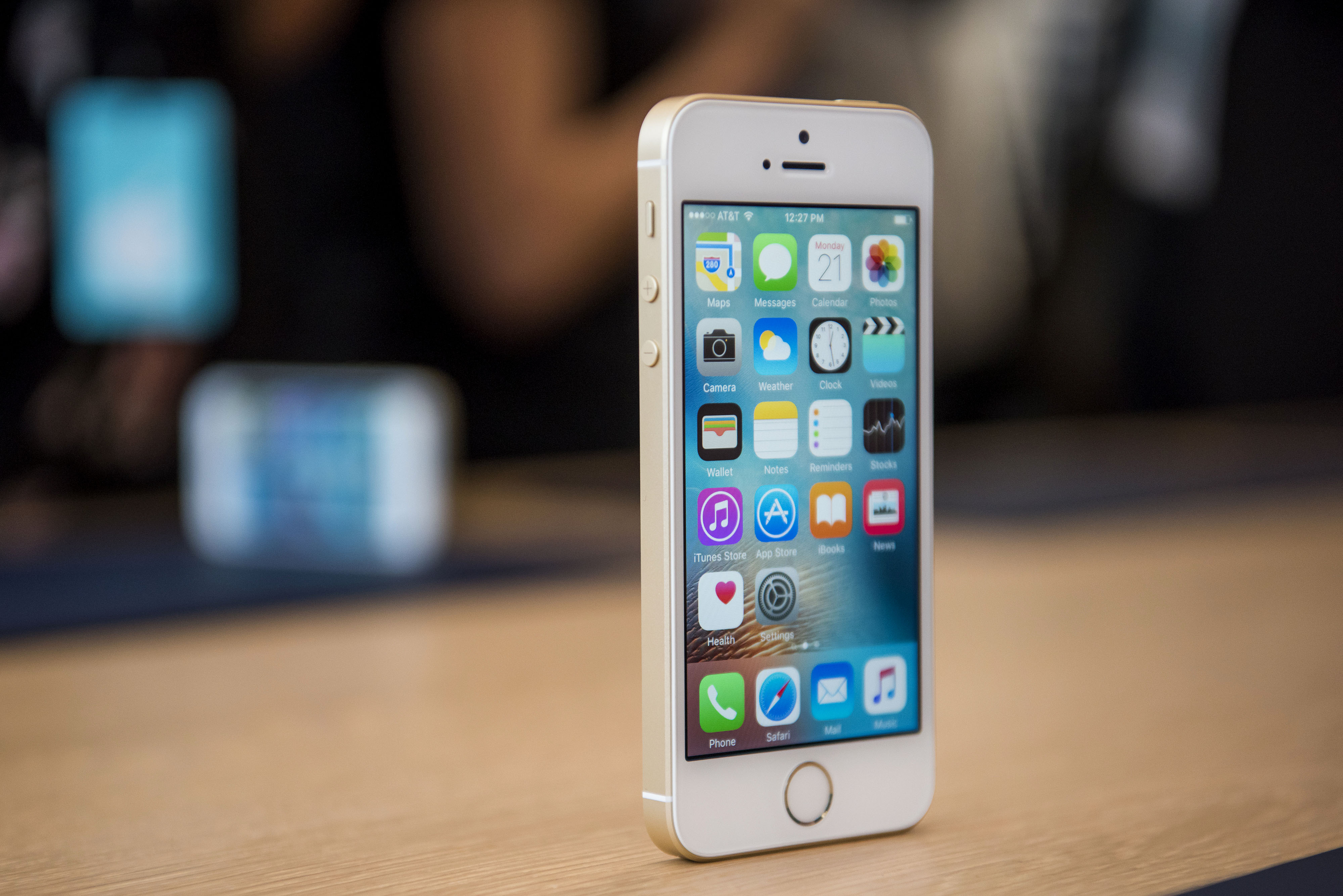 The new Apple Inc. iPhone SE smartphone is displayed after an event in Cupertino, California, U.S., on Monday, March 21, 2016.