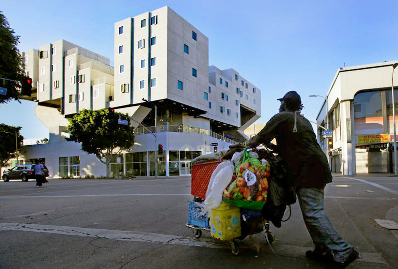 L.A.'s Star Apartments are part of a national effort to house the homeless, with very few strings attached