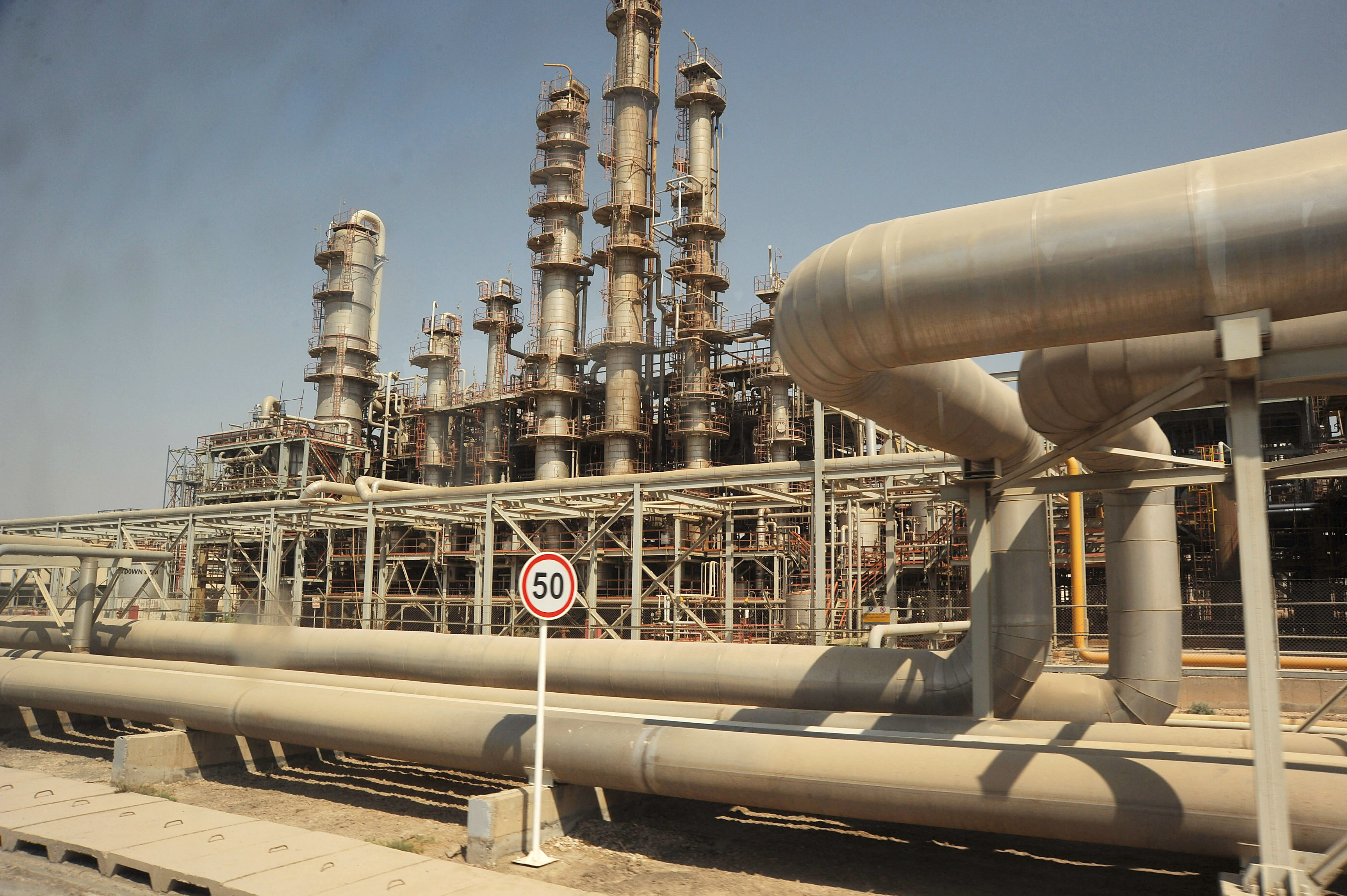 View of Iran's oil industry installations on September 28, 2011 in Mahshahr, Khuzestan province, southern Iran.