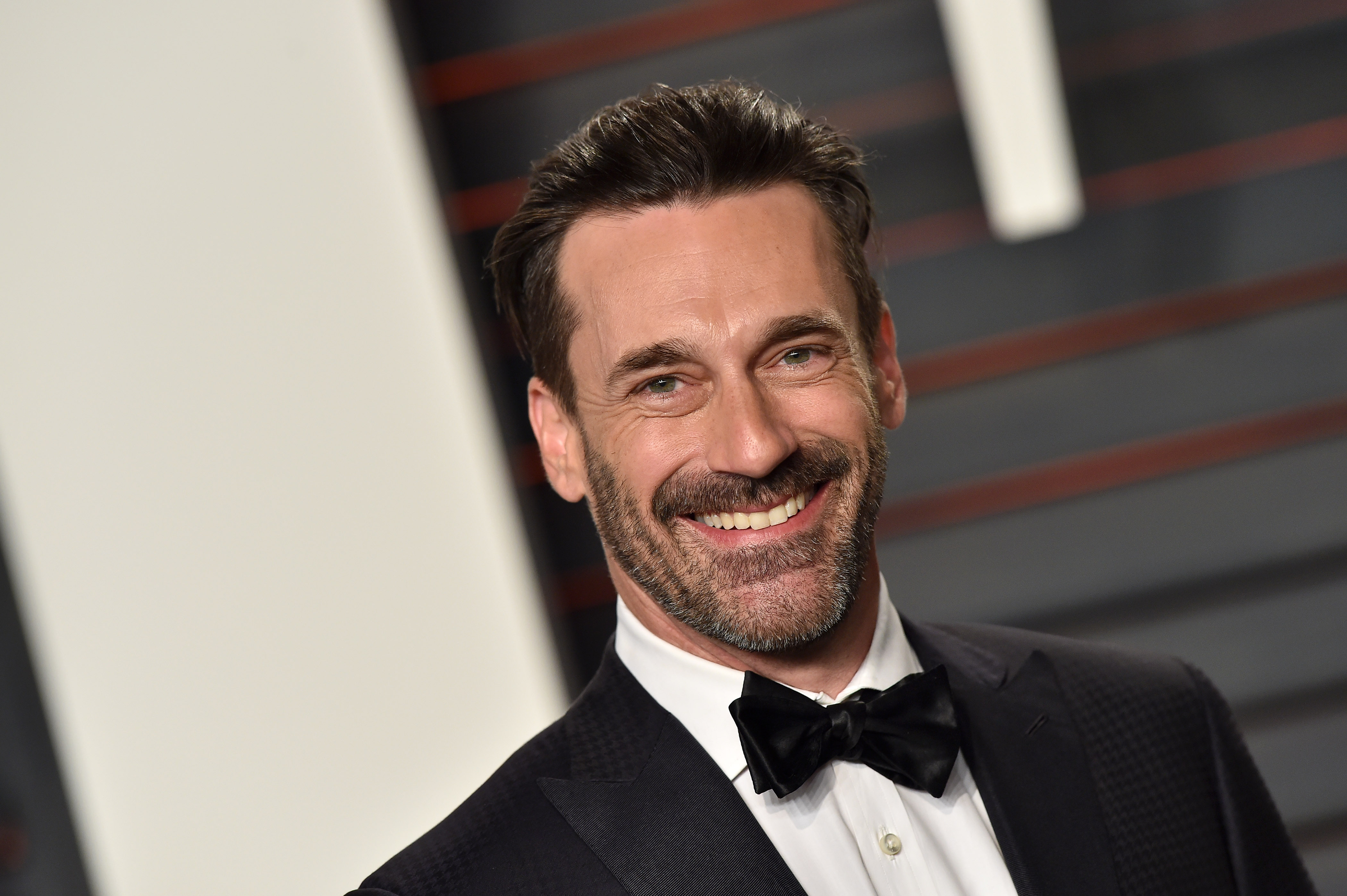 Actor Jon Hamm arrives at the 2016 Vanity Fair Oscar Party Hosted By Graydon Carter at Wallis Annenberg Center for the Performing Arts on February 28, 2016 in Beverly Hills, California.
