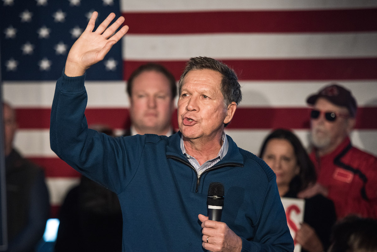Republican presidential candidate John Kasich talks to the crowd at Finn's Brick Oven Pizza on Feb. 10, 2016 in Mt. Pleasant, S.C.