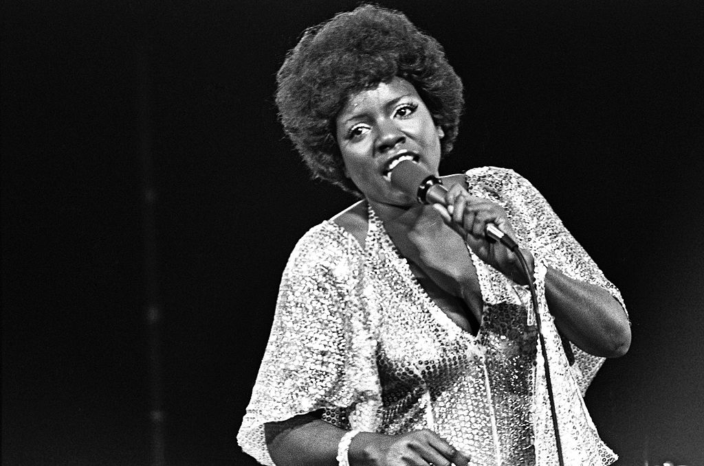 Gloria Gaynor performs a song on December 13, 1975, in Hollywood, California.