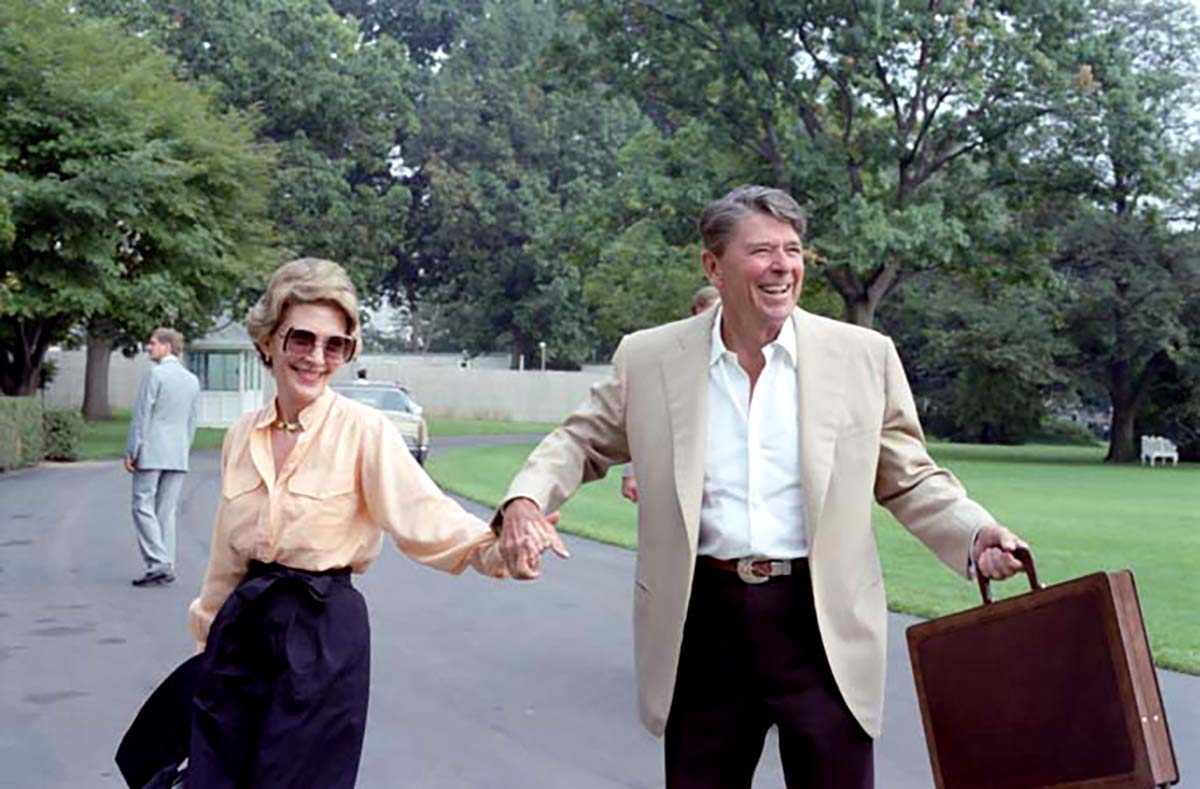President Ronald Reagan and First Lady Nancy Reagan arrival via Marine One from Camp David on the South Lawn on Sept. 12, 1982 in Washington.