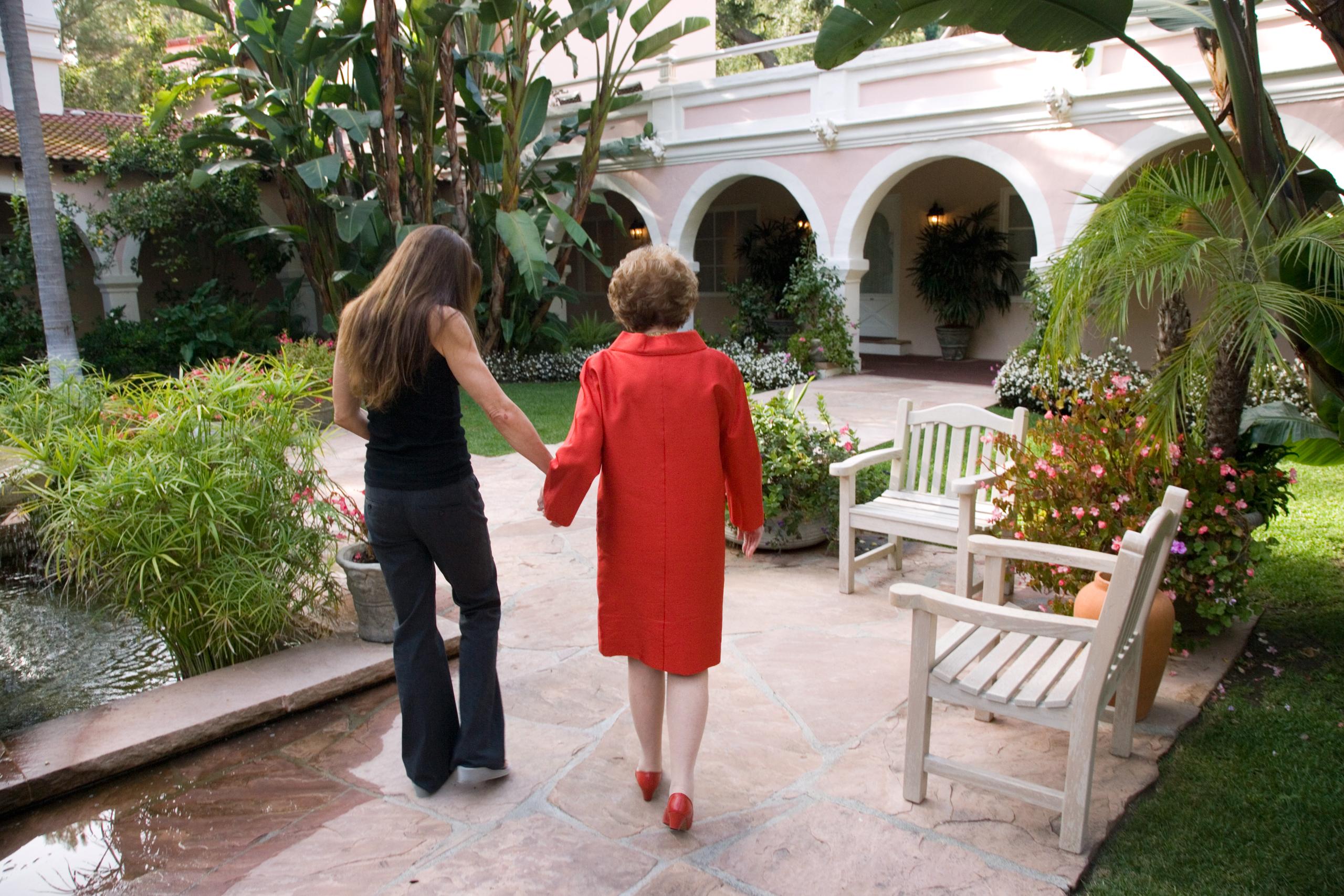 Davis with her mother in BelAir, Calif., in 2006