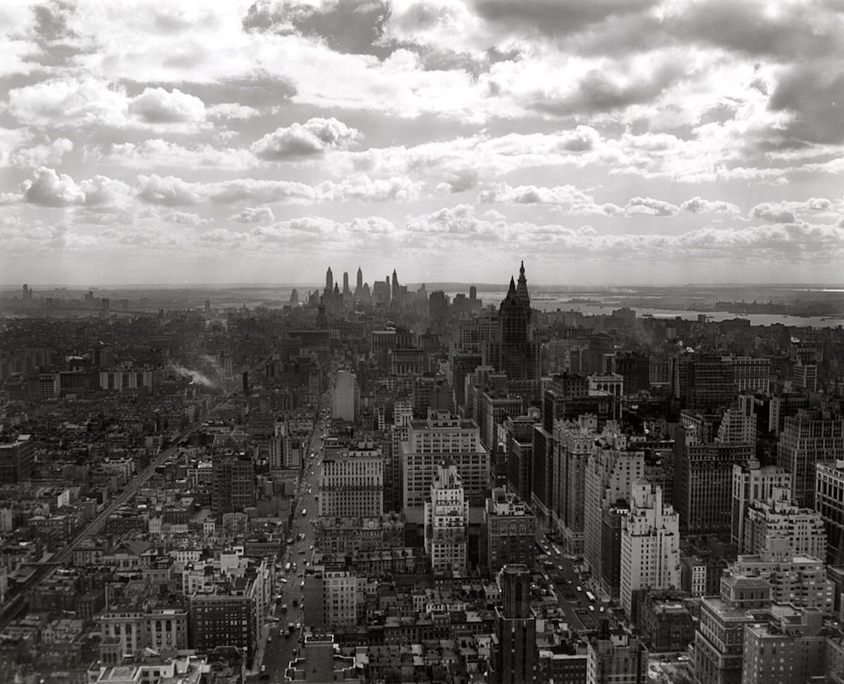 Circa 1930s:  New York City skyline