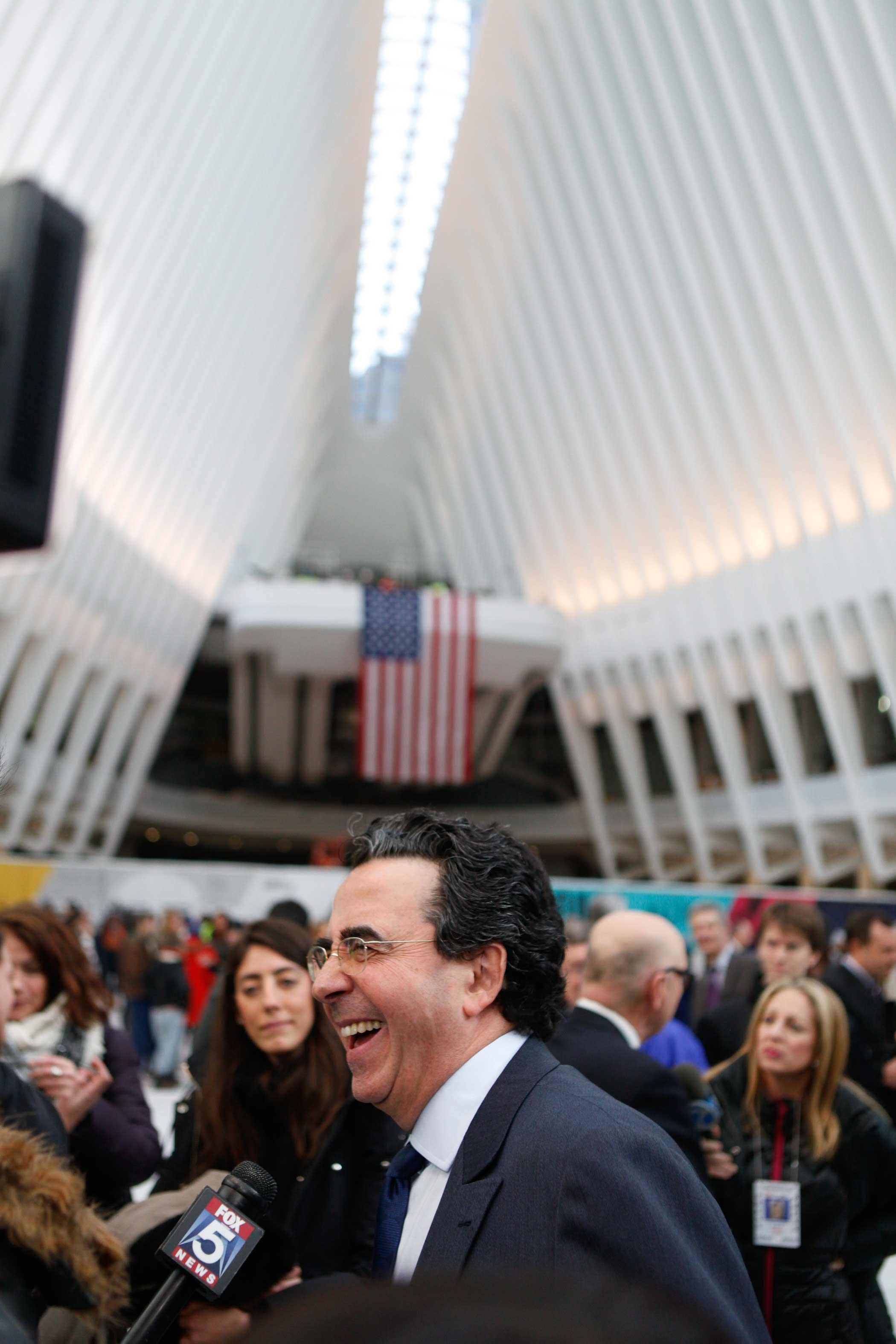 Atrchitect Santiago Calatrava discusses the Oculus with Fox news correspondents.