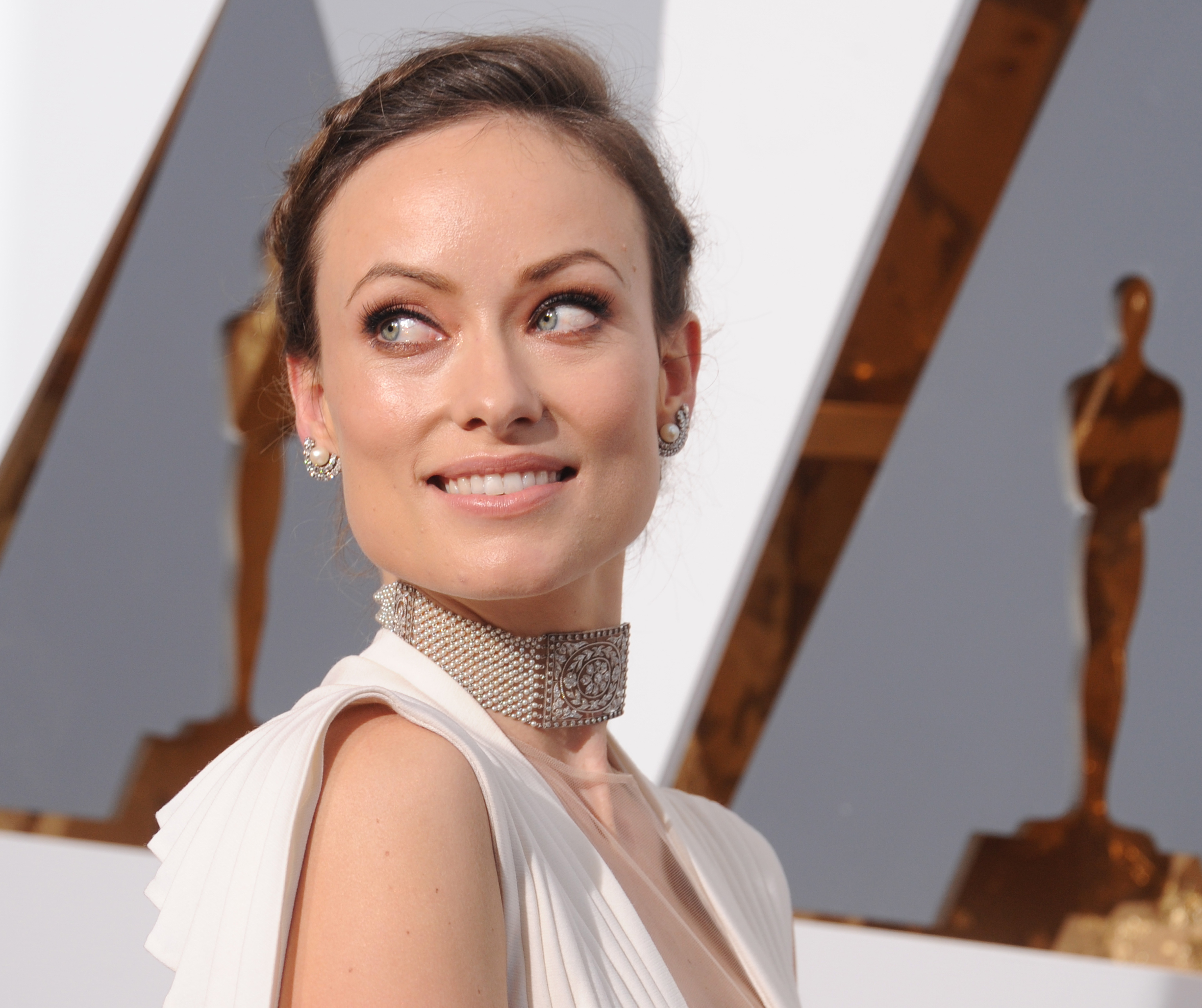 Actress Olivia Wilde arrives at the 88th Annual Academy Awards at Hollywood & Highland Center on February 28, 2016 in Hollywood, California.