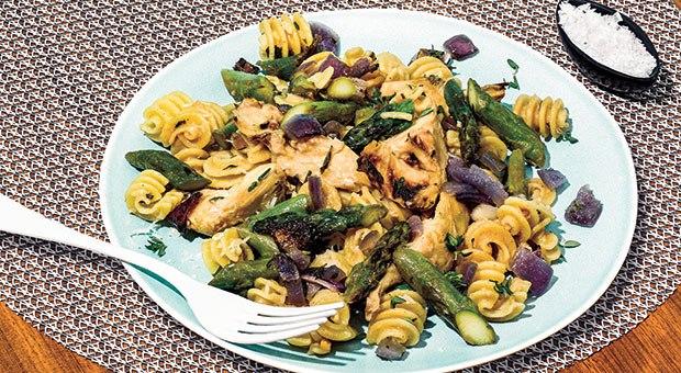 roasted-garlic-artichoke-and-asparagus-quinoa-pasta