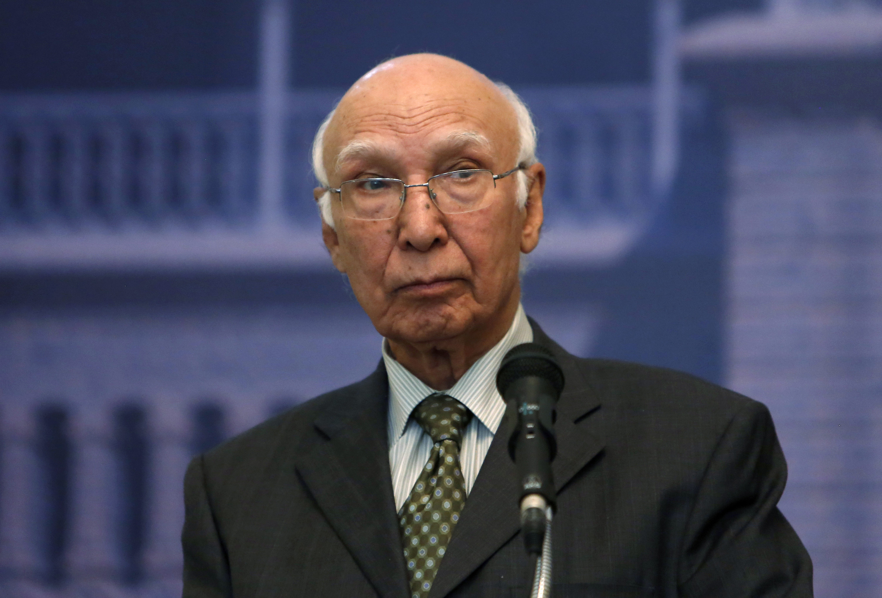 Sartaj Aziz, Pakistani Prime Minister Nawaz Sharif's adviser on foreign affairs, speaks during a news conference in Kabul on July 21, 2013