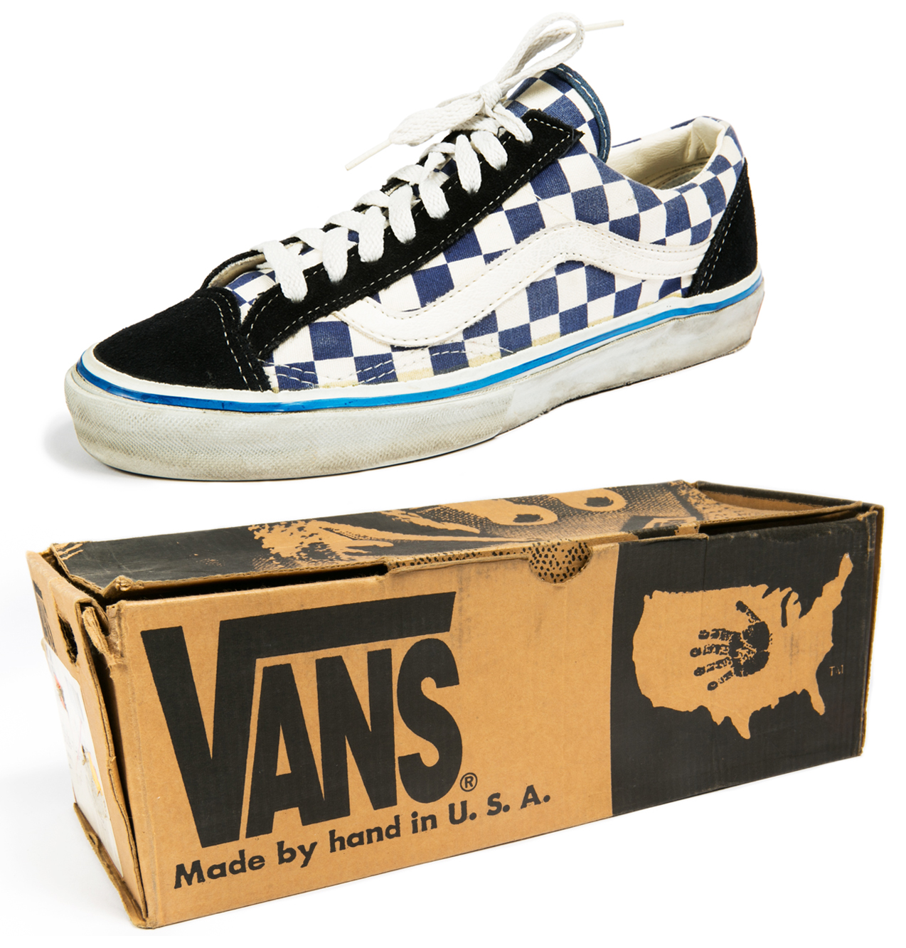 The Old Skool was the first skate shoe to incorporate leather and the famous Vans Sidestripe in the 1970s.