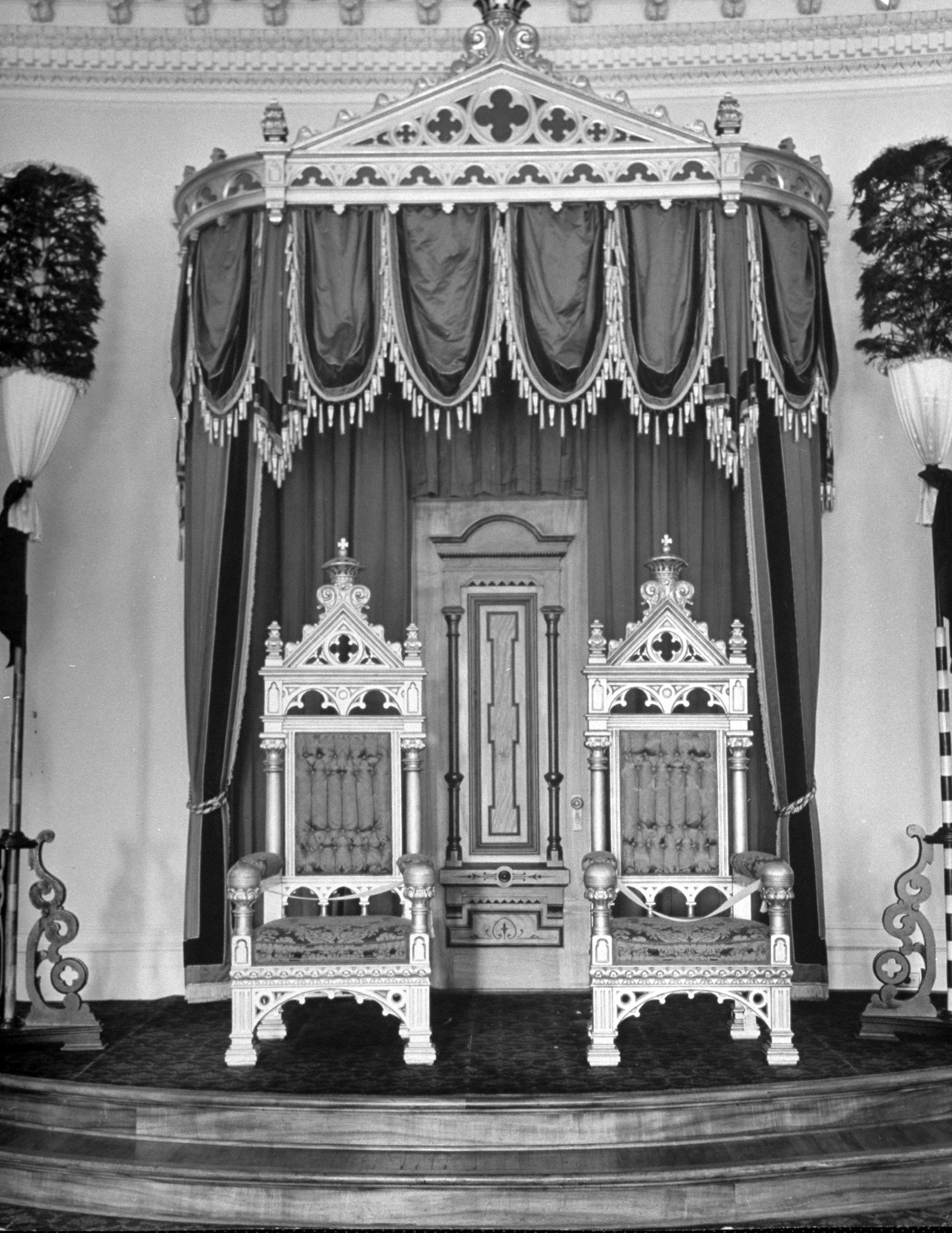 Two thrones on display in the throne room of the Lolani palace, Hawaii.