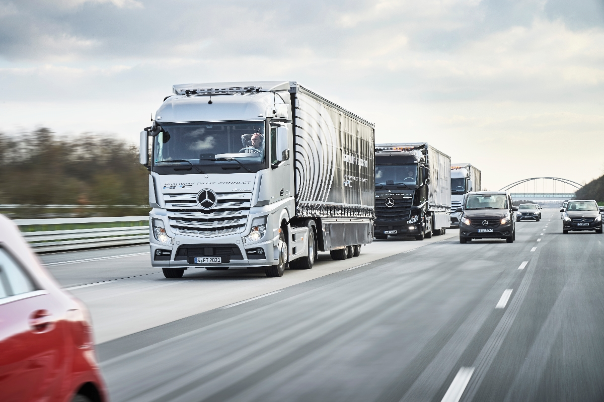 Daimler AG - Global Communications Commercial Vehicles