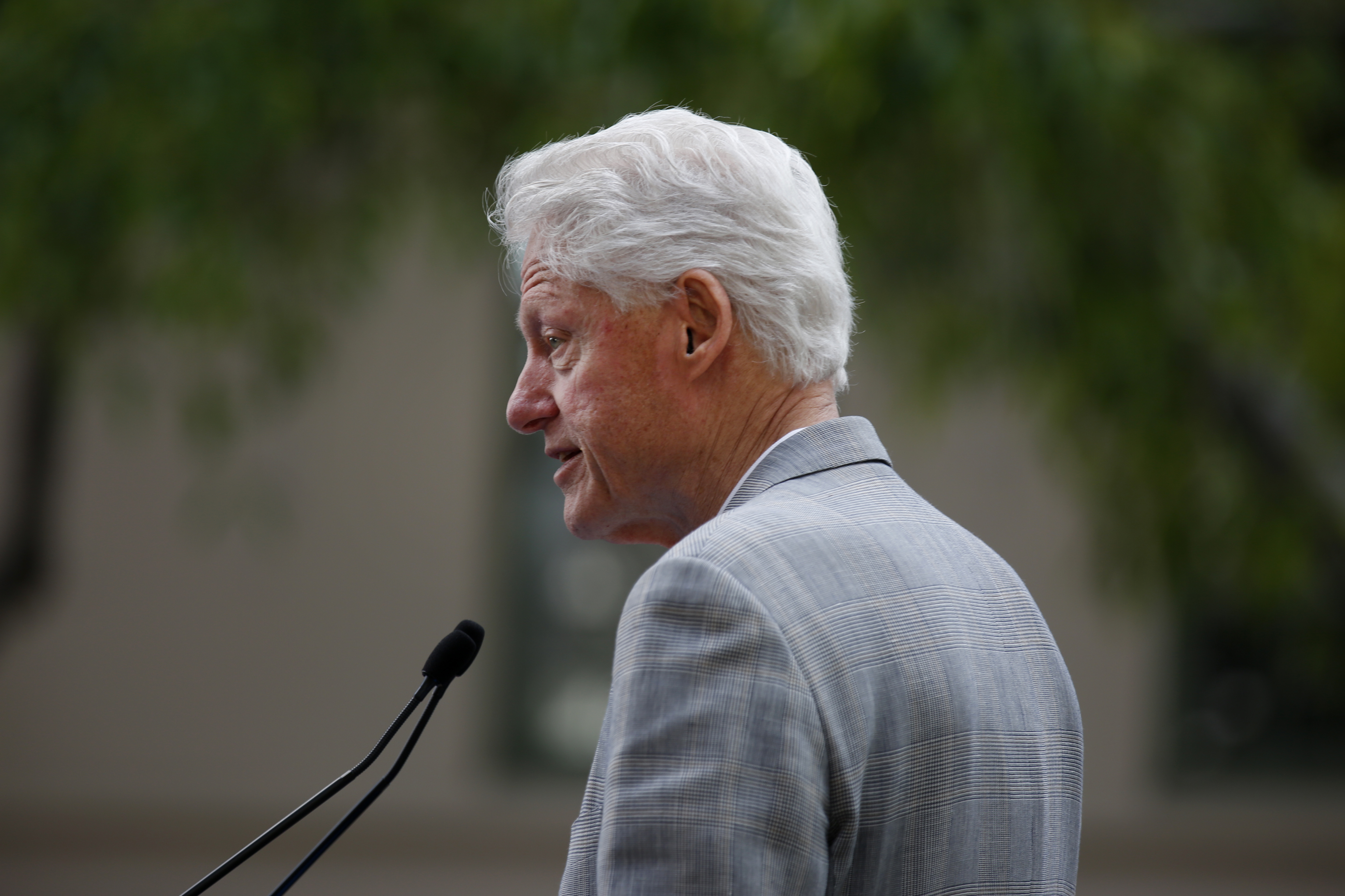 Former President Bill Clinton stumps for Democratic presidential candidate Hillary Clinton at the Los Angeles Trade - Technical College April 3, 2016 in Los Angeles, California.