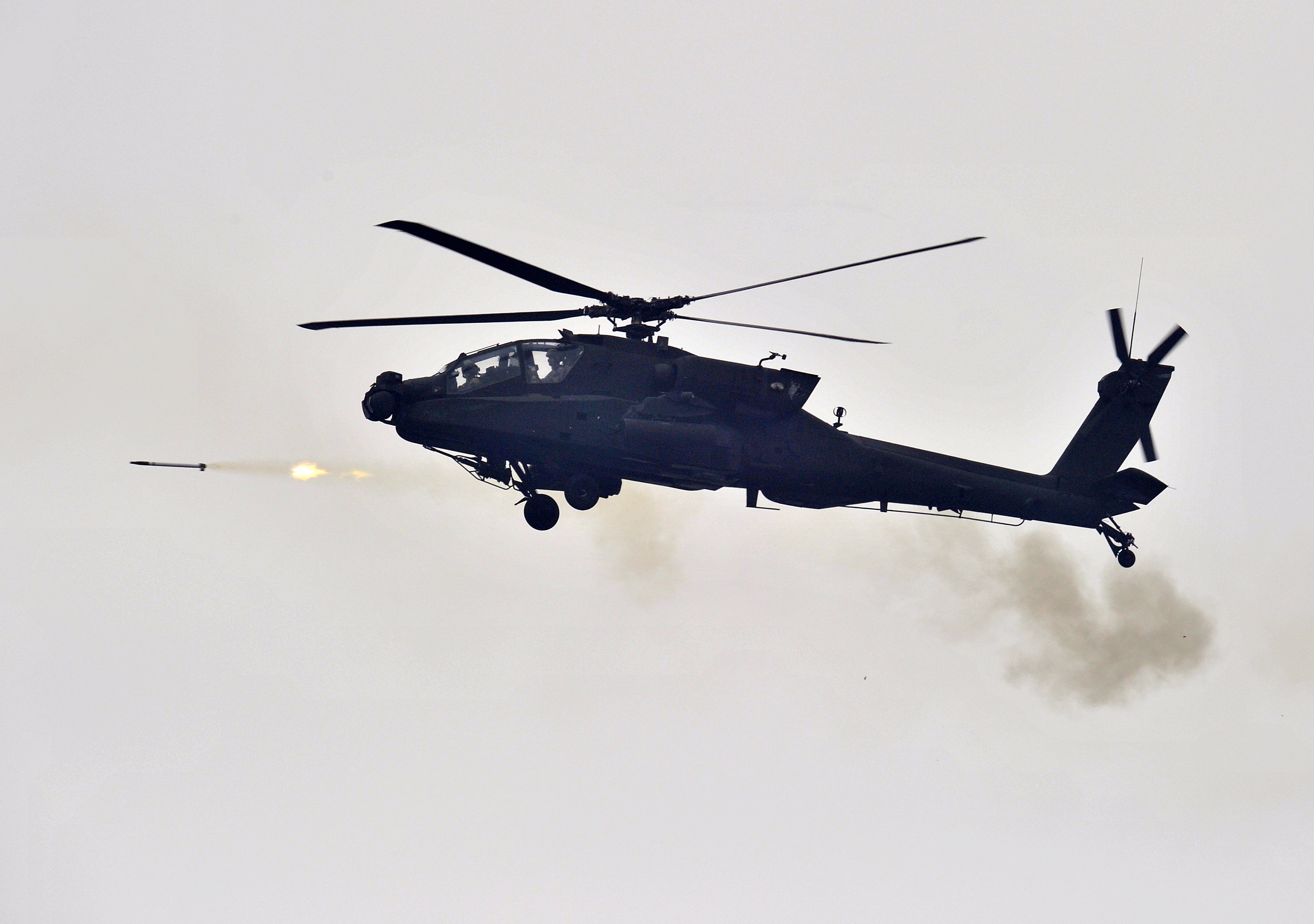 Eight AH-64 Apache helicopter gunships are headed to Iraq to help fight ISIS.
