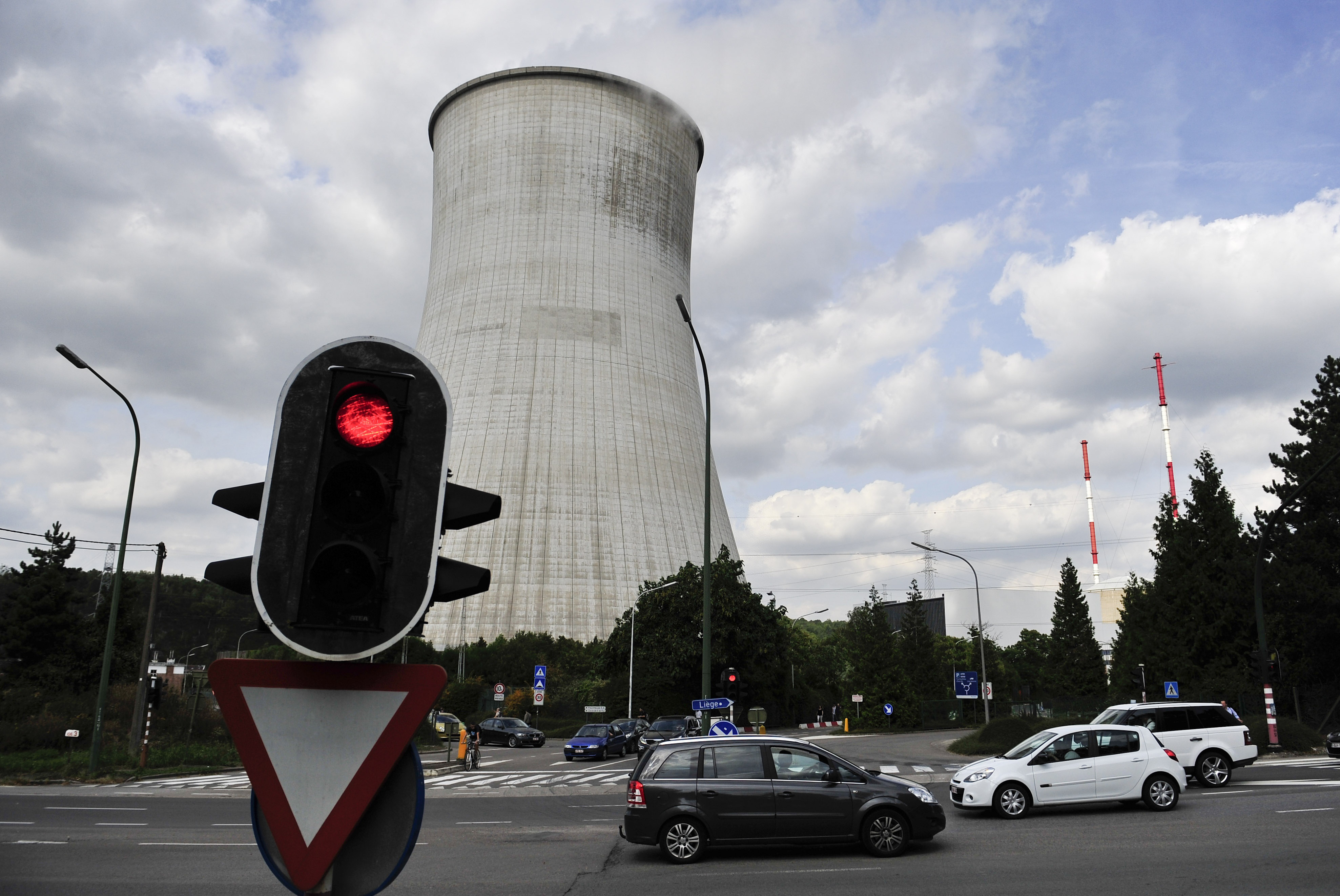 Photo taken on Aug. 22, 2012 shows Tihange nuclear plant, 90 kilometers southeast of Brussels, Belgium