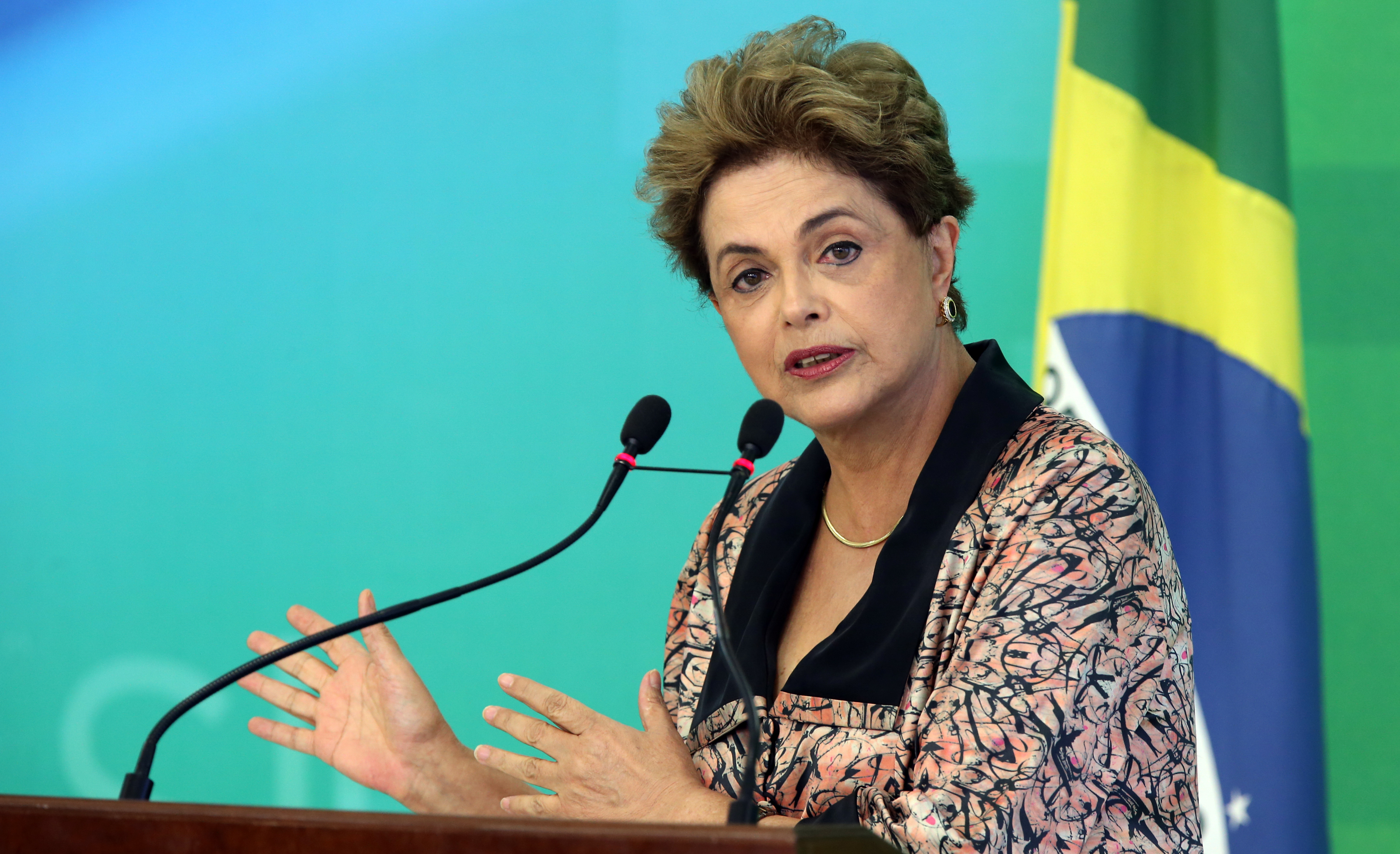 Brazil's President Dilma Rousseff speaks to members of the foreign press in Brasília, on April 19, 2016