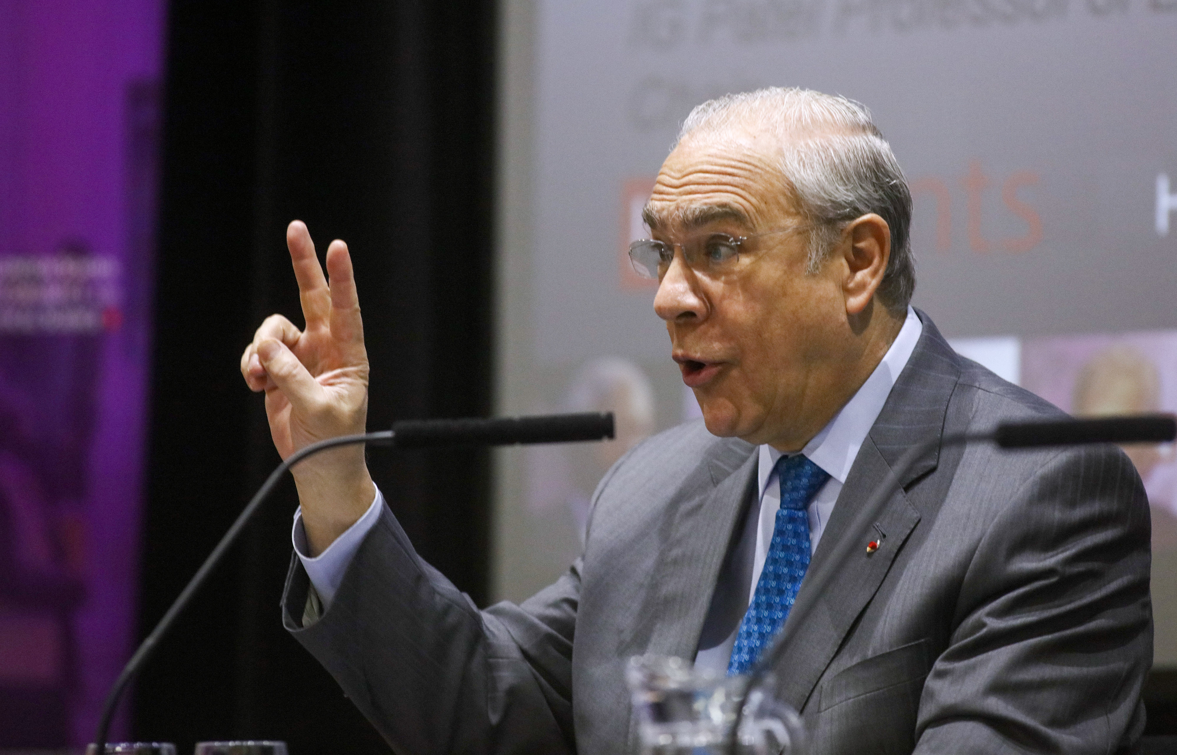Jose Angel Gurria, secretary-general of the Organization for Economic Cooperation and Development (OECD), gestures while waiting to make a speech at the London School of Economics (LSE) in London, U.K., on Wednesday, April 27, 2016. The Organization for Economic Cooperation and Development became the latest international body to warn the U.K. that leaving the European Union would cause lasting damage to the economy, earning rebukes from campaigners for a so-called Brexit.