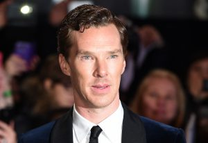 British actor Benedict Cumberbatch arrives on the red carpet for the world premier of 'The Hobbit: The Battle of the Five Armies', in London, Dec. 1 2014 .
