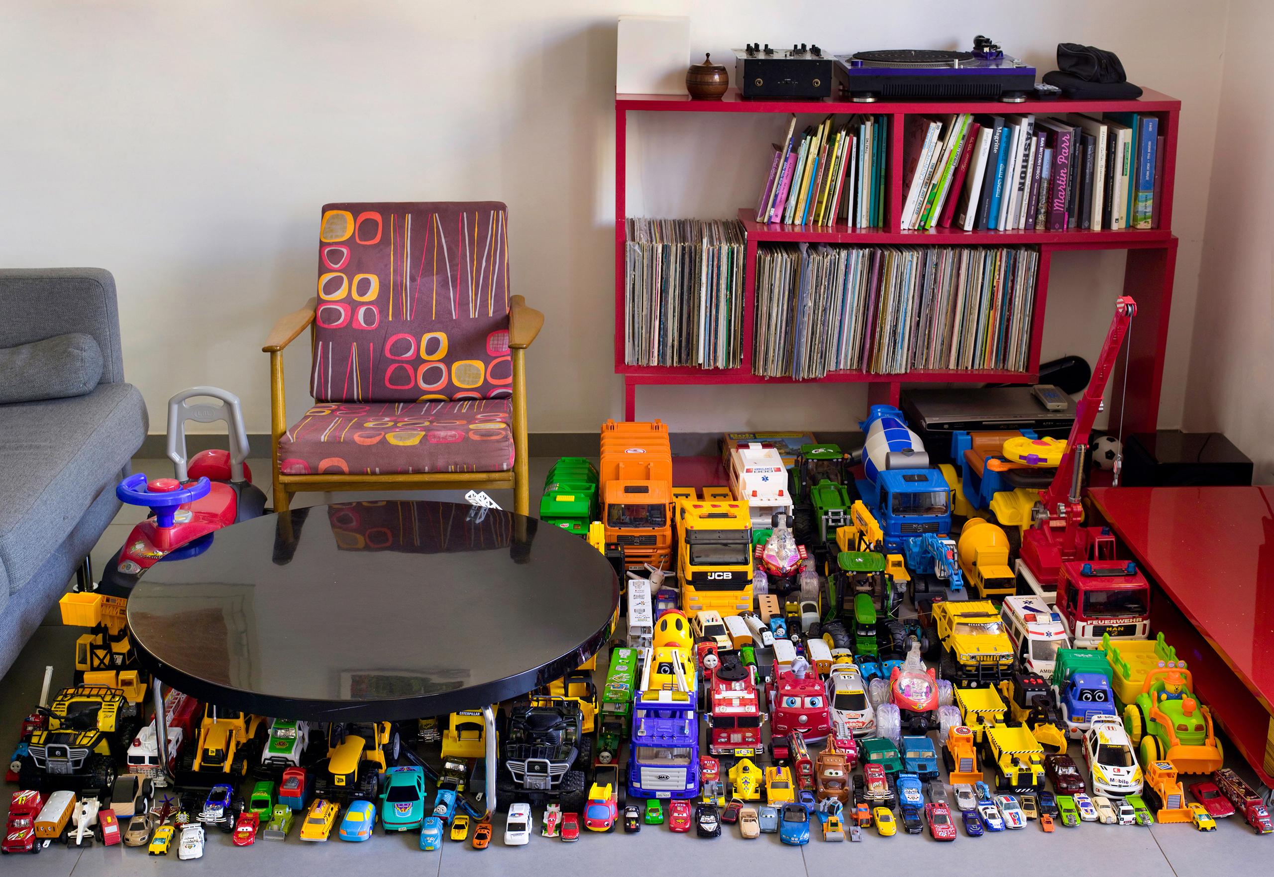 Cars (2012)