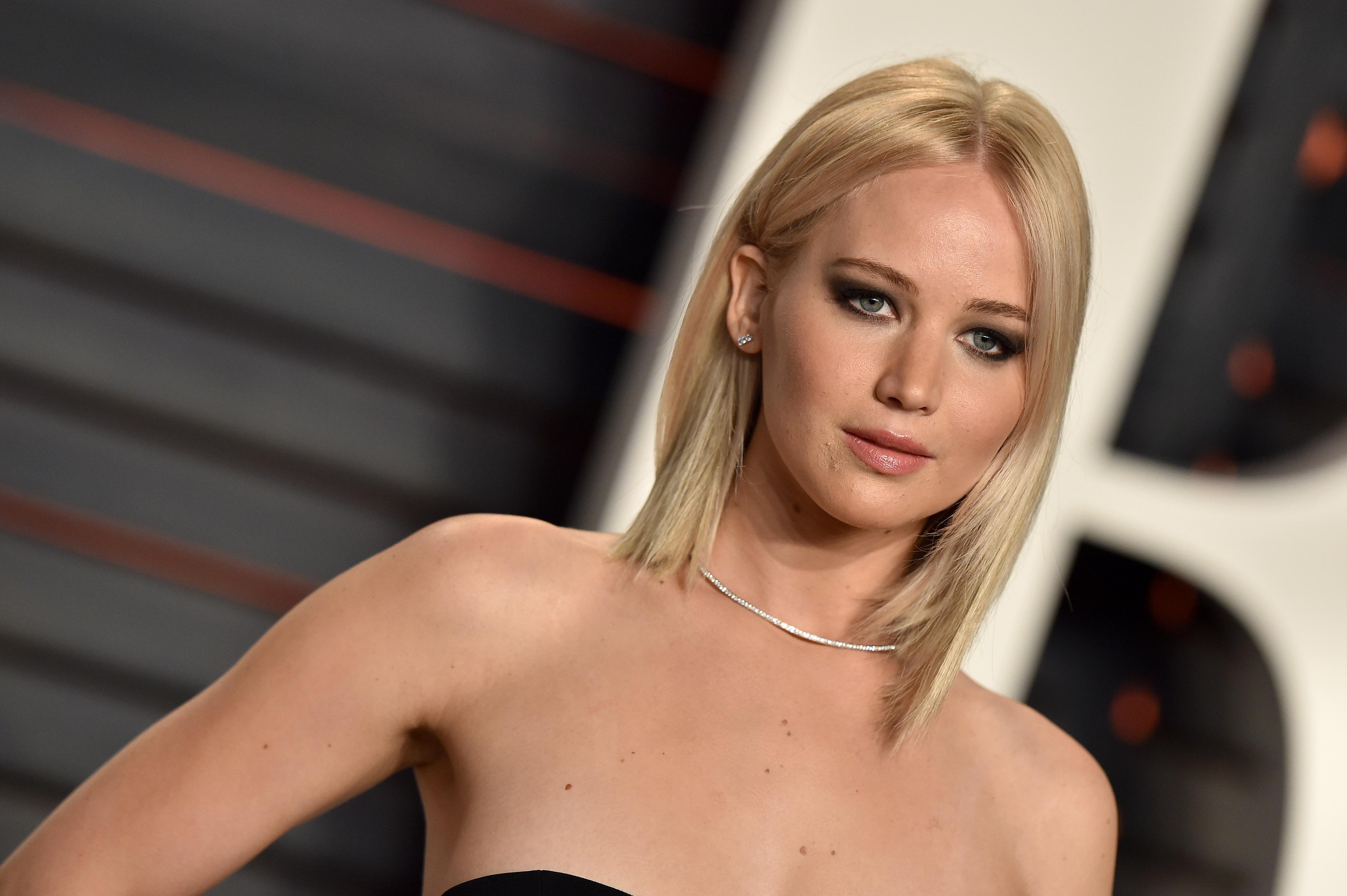 Actress Jennifer Lawrence arrives at the 2016 Vanity Fair Oscar Party Hosted By Graydon Carter at Wallis Annenberg Center for the Performing Arts on February 28, 2016 in Beverly Hills, California.