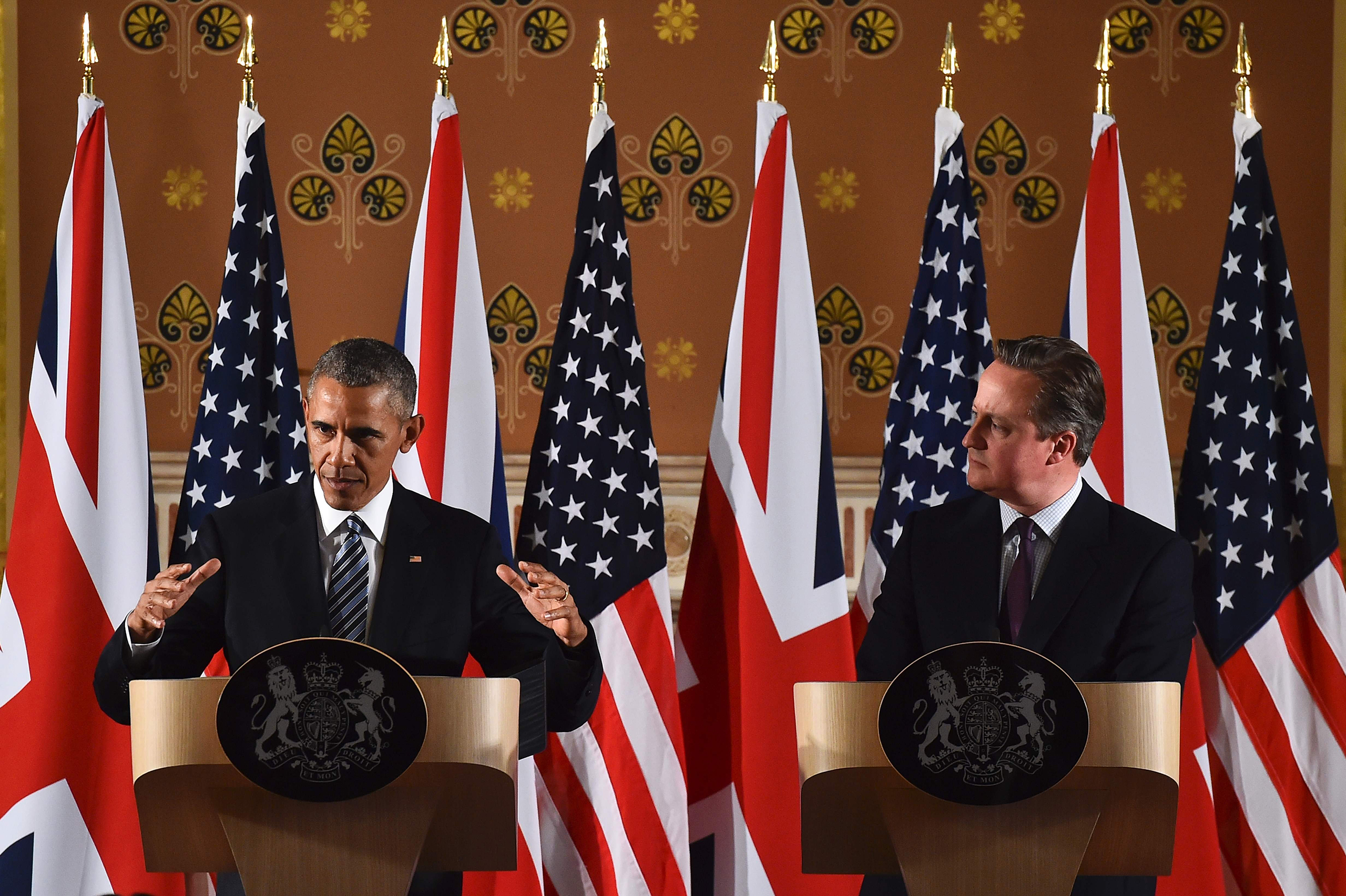 Barack Obama and David Cameron hold a press conference at the Foreign and Commonwealth Office in central London on April, 22, 2016.
