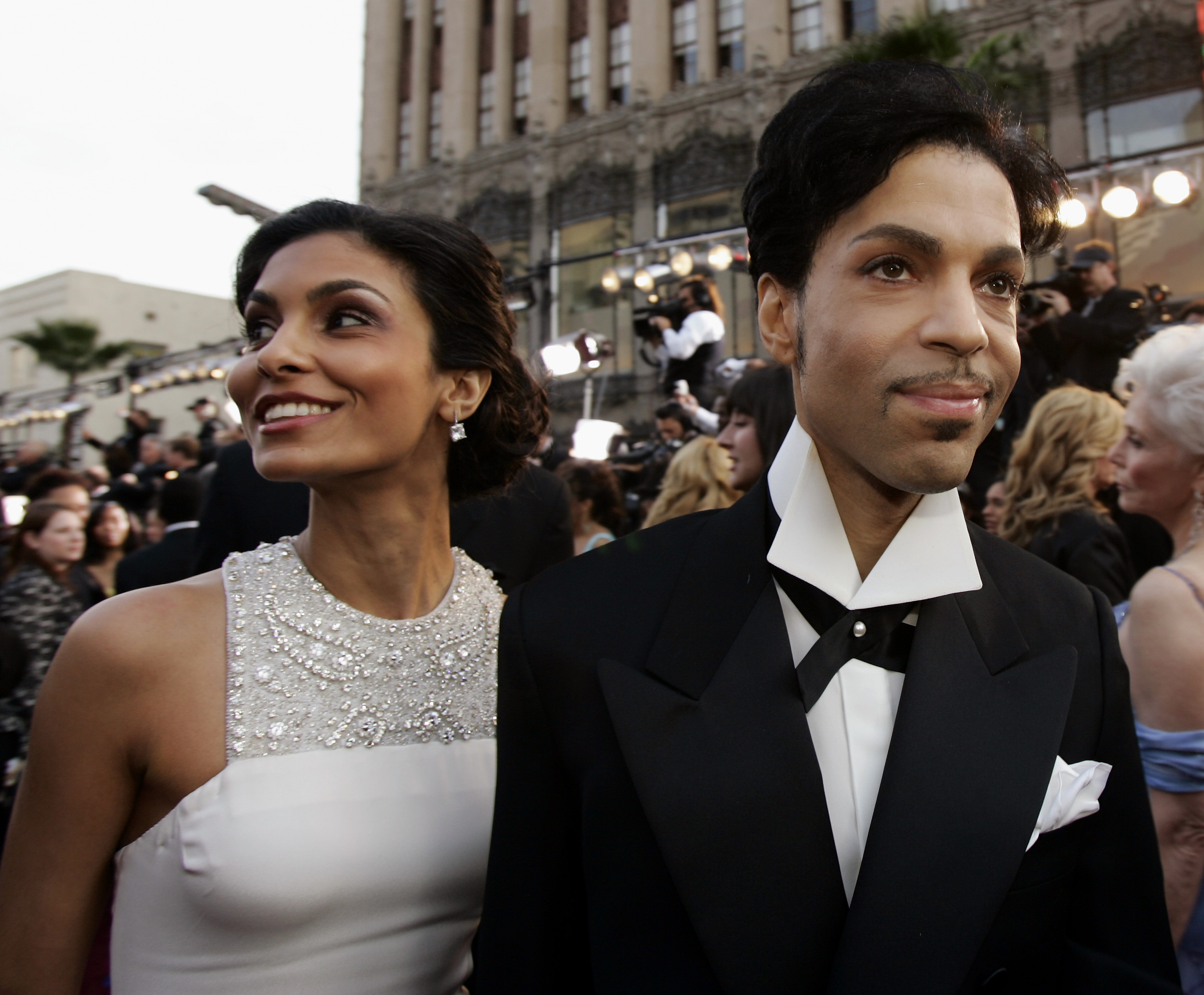 Prince arrives with his former wife Manuela Testolini for the 77th Academy Awards on Feb. 27, 2005 in Los Angeles.