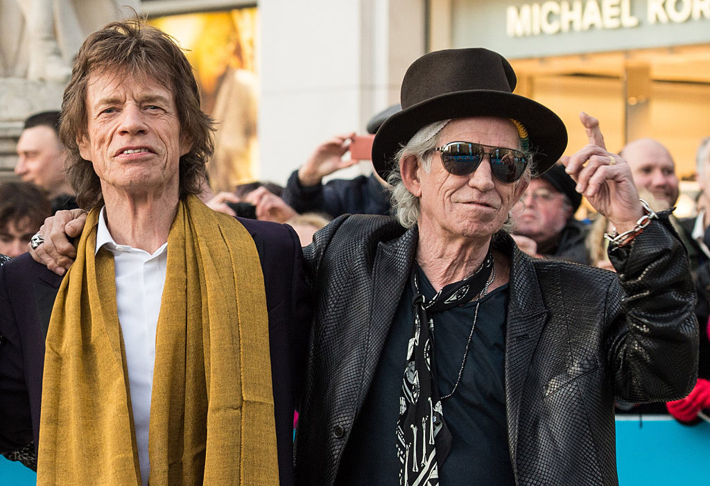 LONDON, ENGLAND - APRIL 04: (L-R) Mick Jagger and Keith Richards arrive for the private view of 'The Rolling Stones: Exhibitionism'  Saatchi Gallery on April 4, 2016 in London, England.  (Photo by Brian Rasic/Getty Images)