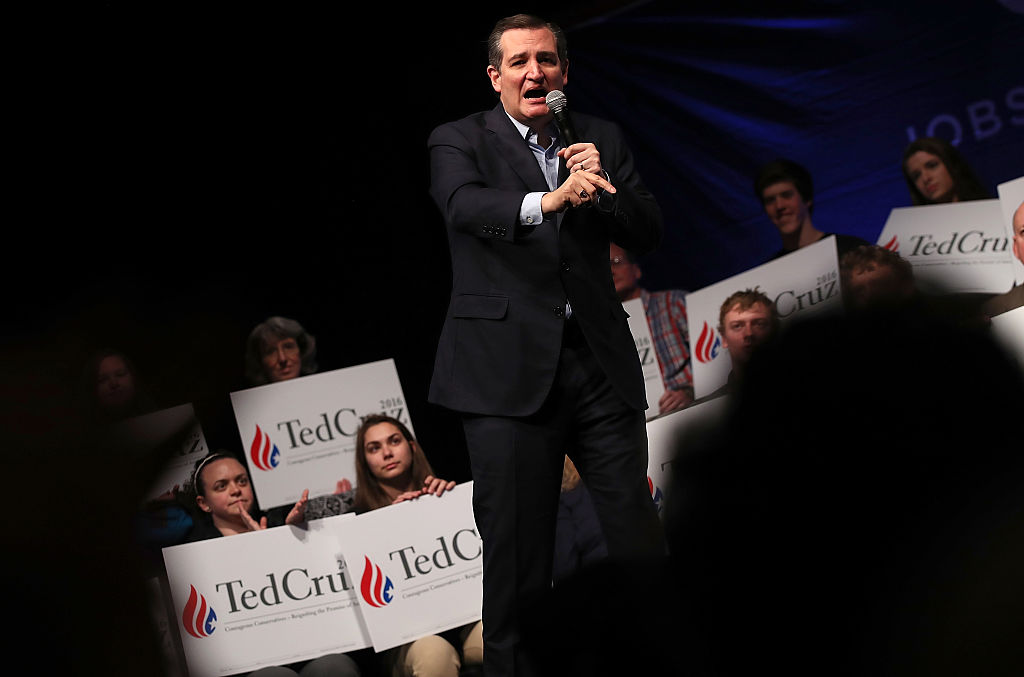 Republican presidential candidate Sen. Ted Cruz (R-TX) campaigns at the Weinberg Theater April 21, 2016 in Frederick, Maryland.