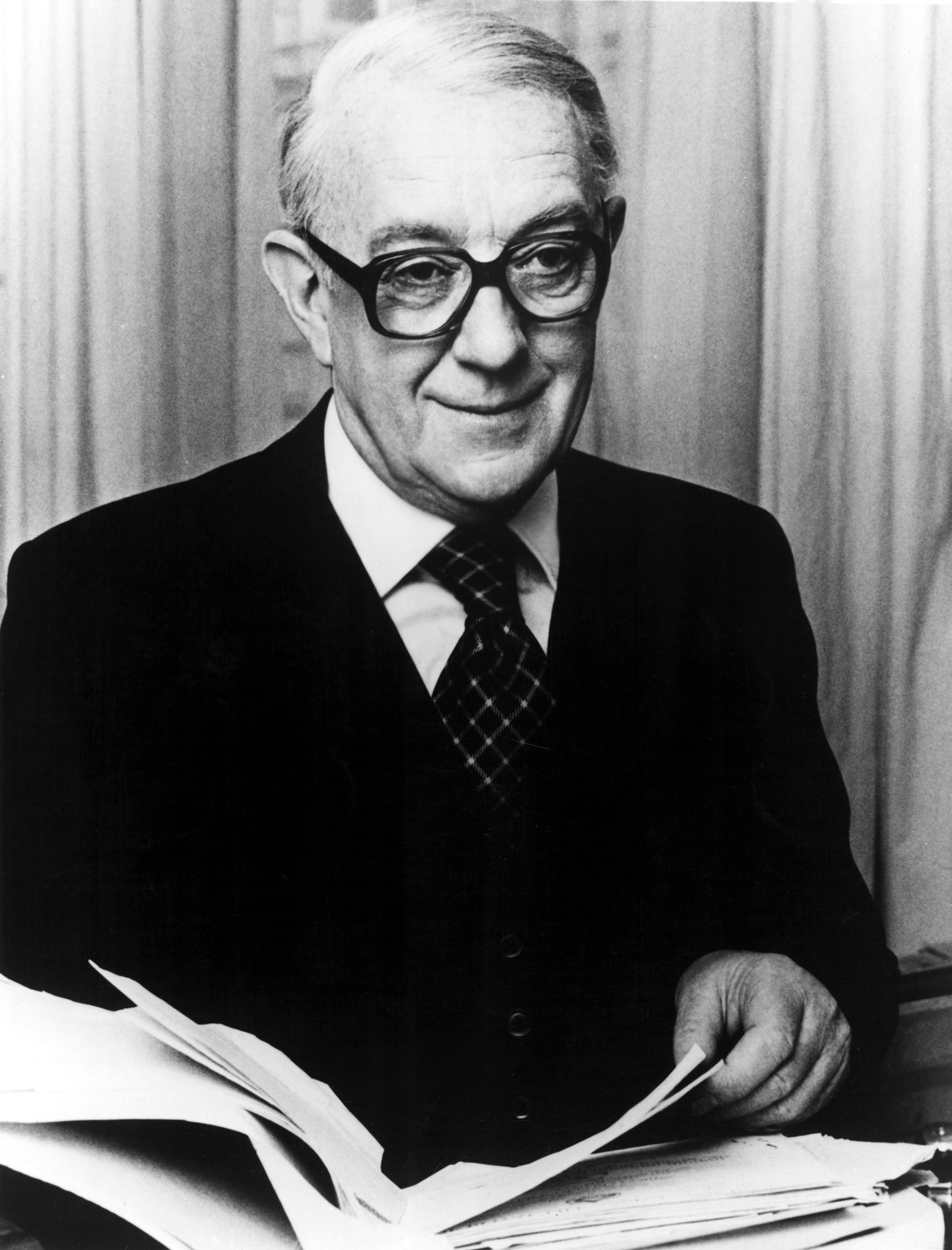 Alec Guinness as George Smiley/ Beggarman  in Tinker Tailor Soldier Spy, 1979