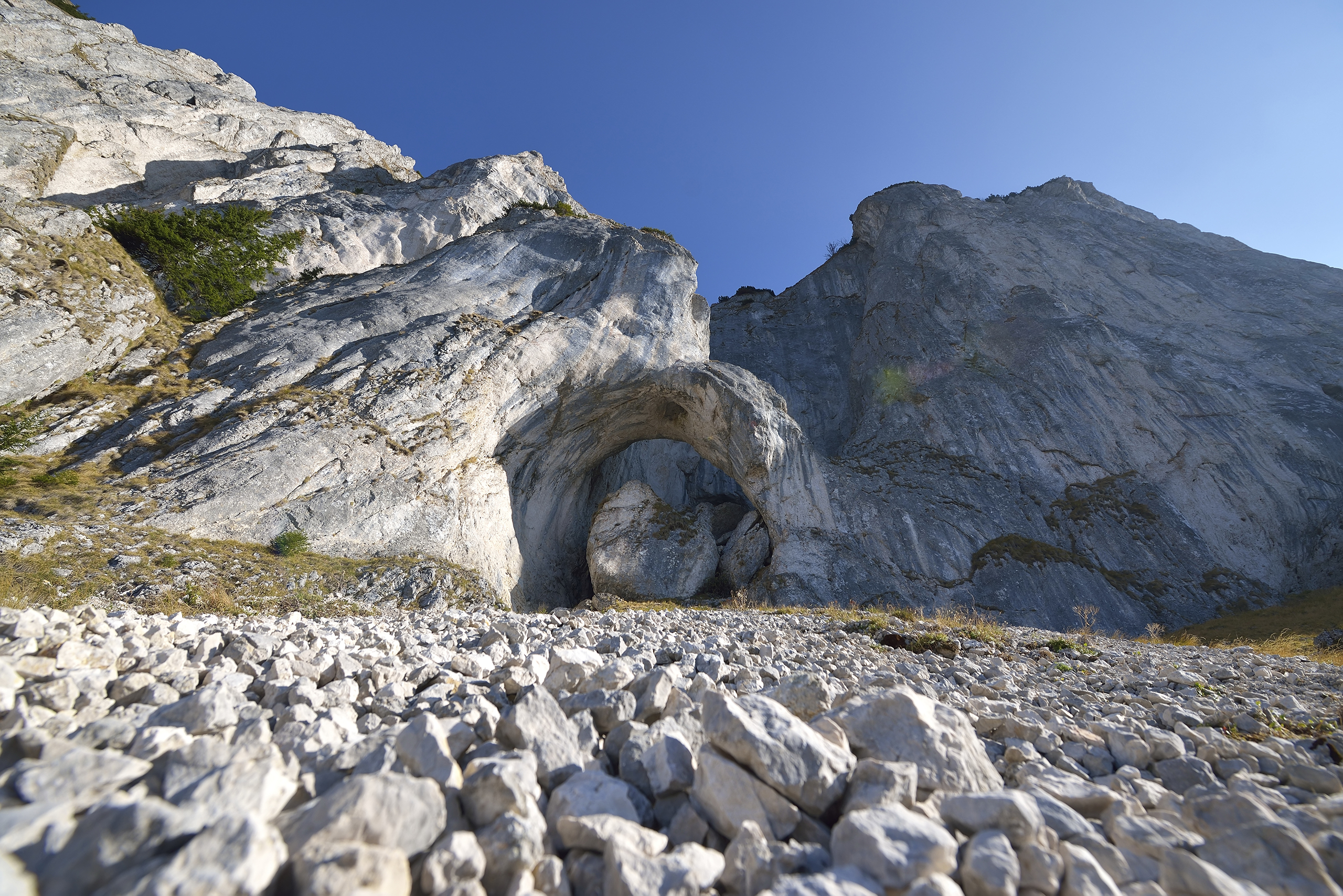 Cerdacul Stanciului cave, Piatra Craiului National Park, Romania. This park, whose name translate to  prince's stone , contains the southern Carpathian mountains. Bordered by glacial lakes, water has carved out a series of caves into the rock.