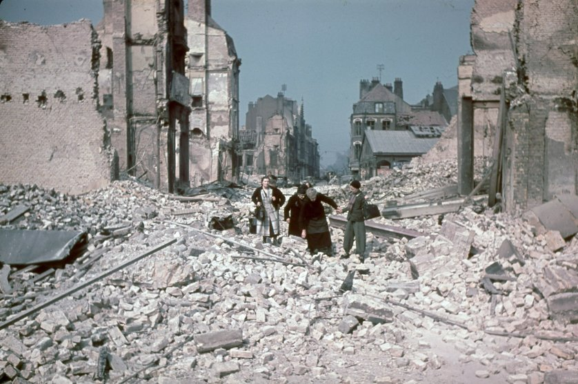 Dunkirk after British bombardment and retreat. 1940.