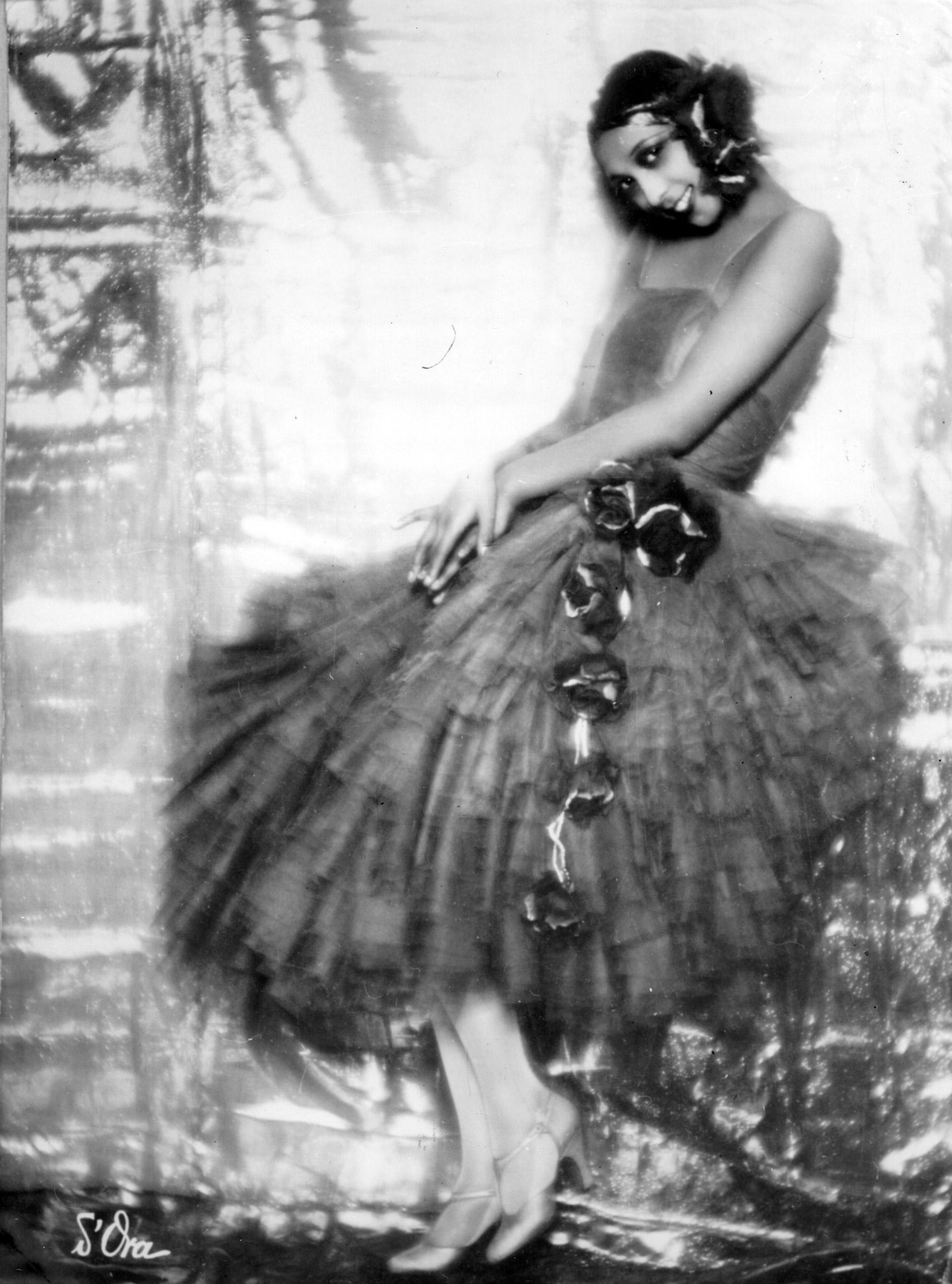 Josephine Baker in costume, 1927.
