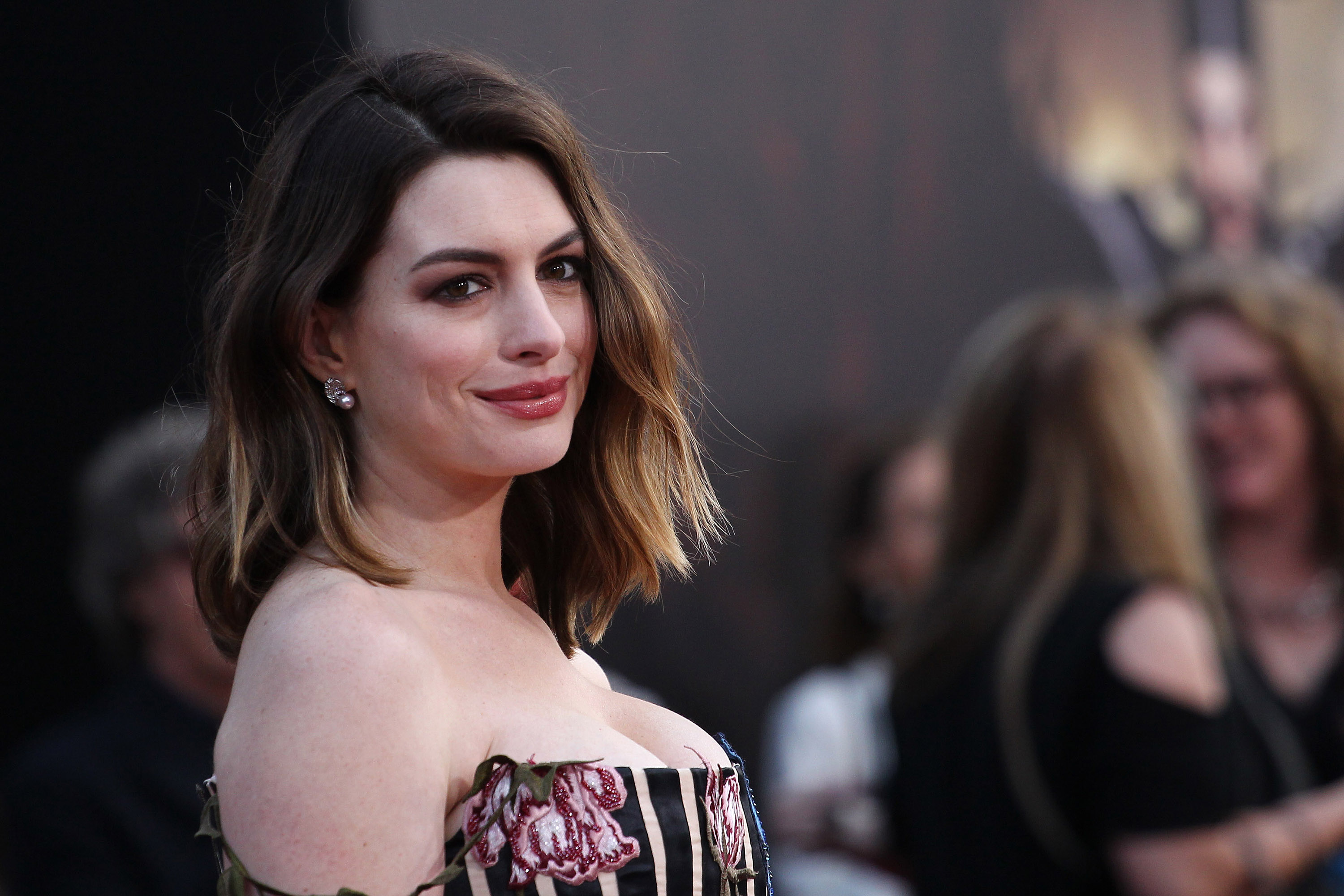 Actress Anne Hathaway attends the premiere of Disney's  Alice Through The Looking Glass  at the El Capitan Theatre on May 23, 2016 in Hollywood, California.