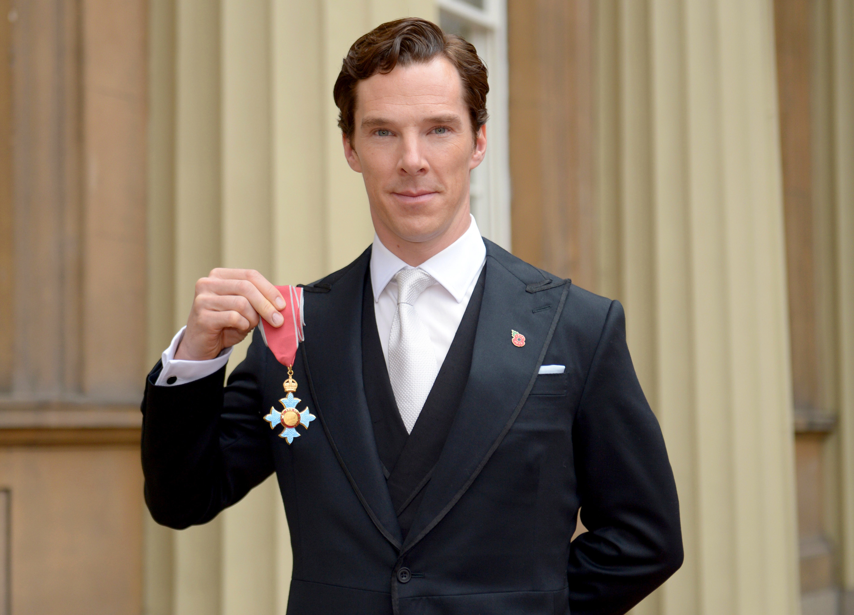 Actor Benedict Cumberbatch after receiving the CBE (Commander of the Order of the British Empire) from Queen Elizabeth II for services to the performing arts and to charity at Buckingham Palace on November 10, 2015 in London, England.
