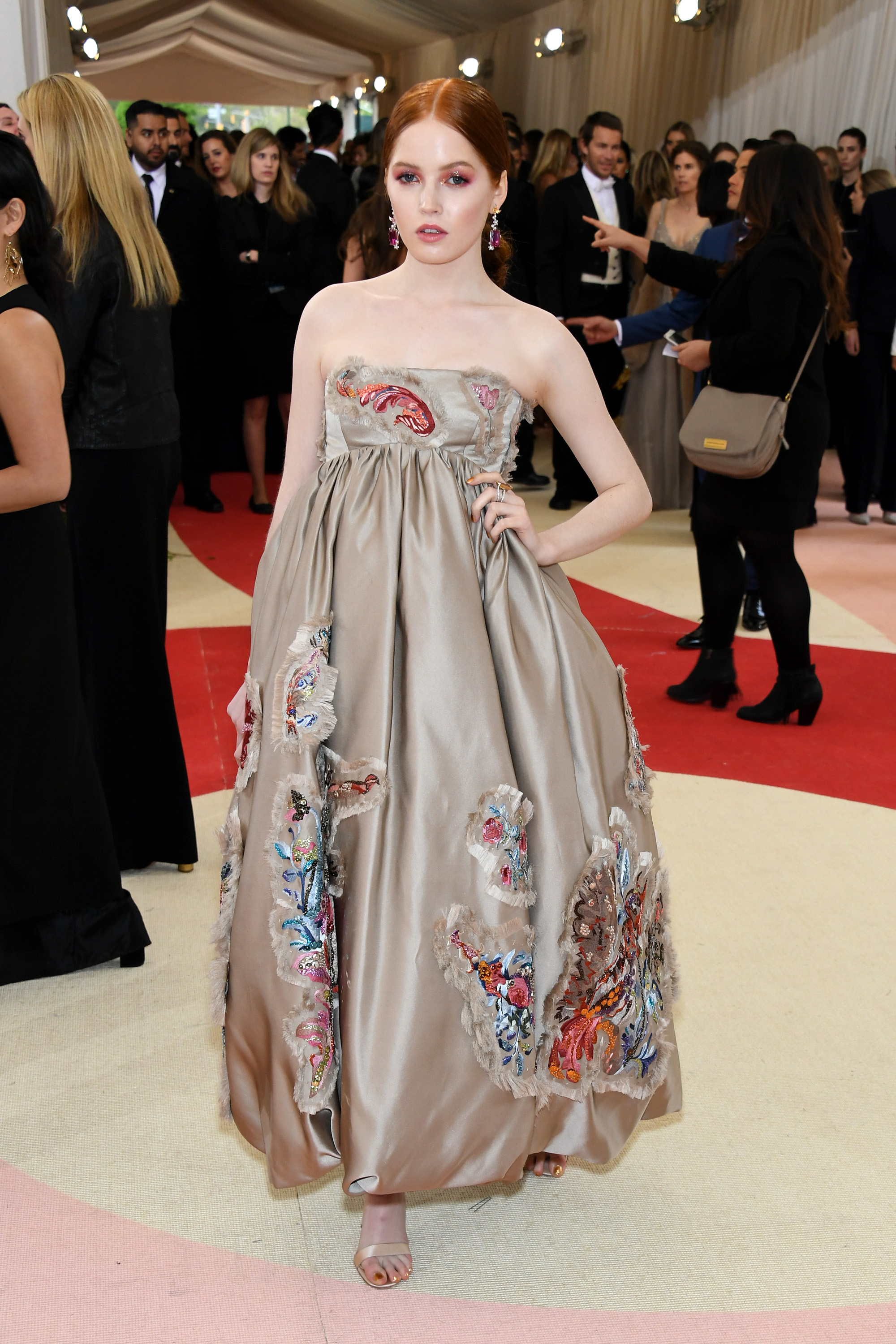 Ellie Bamber attends  Manus x Machina: Fashion In An Age Of Technology  Costume Institute Gala at Metropolitan Museum of Art on May 2, 2016 in New York City.