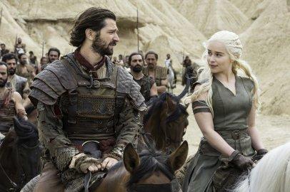 Michiel Huisman and Emilia Clarke in Game of Thrones, season 6, episode 6.