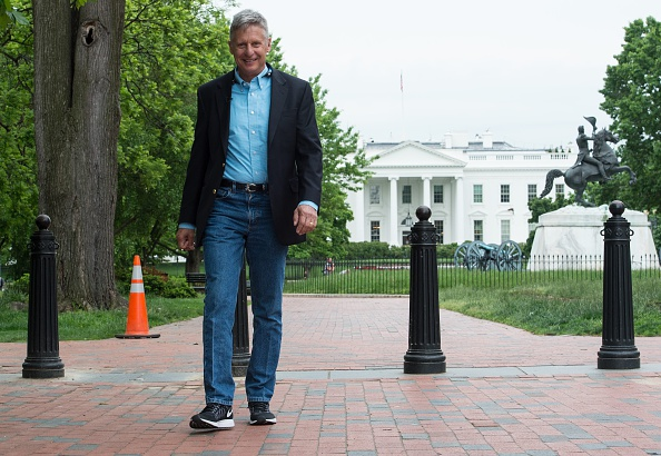 U.S. Libertarian Party presidential candidate Gary Johnson walks in Lafayette Park across from the White House in Washington, D.C., on May 9, 2016.